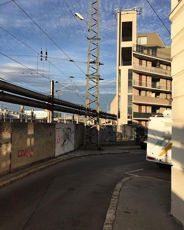 #rudolfsheimfünfhaus #rudolfscrime #wien #westbahnhof #15ter #indahood #imgrätzl