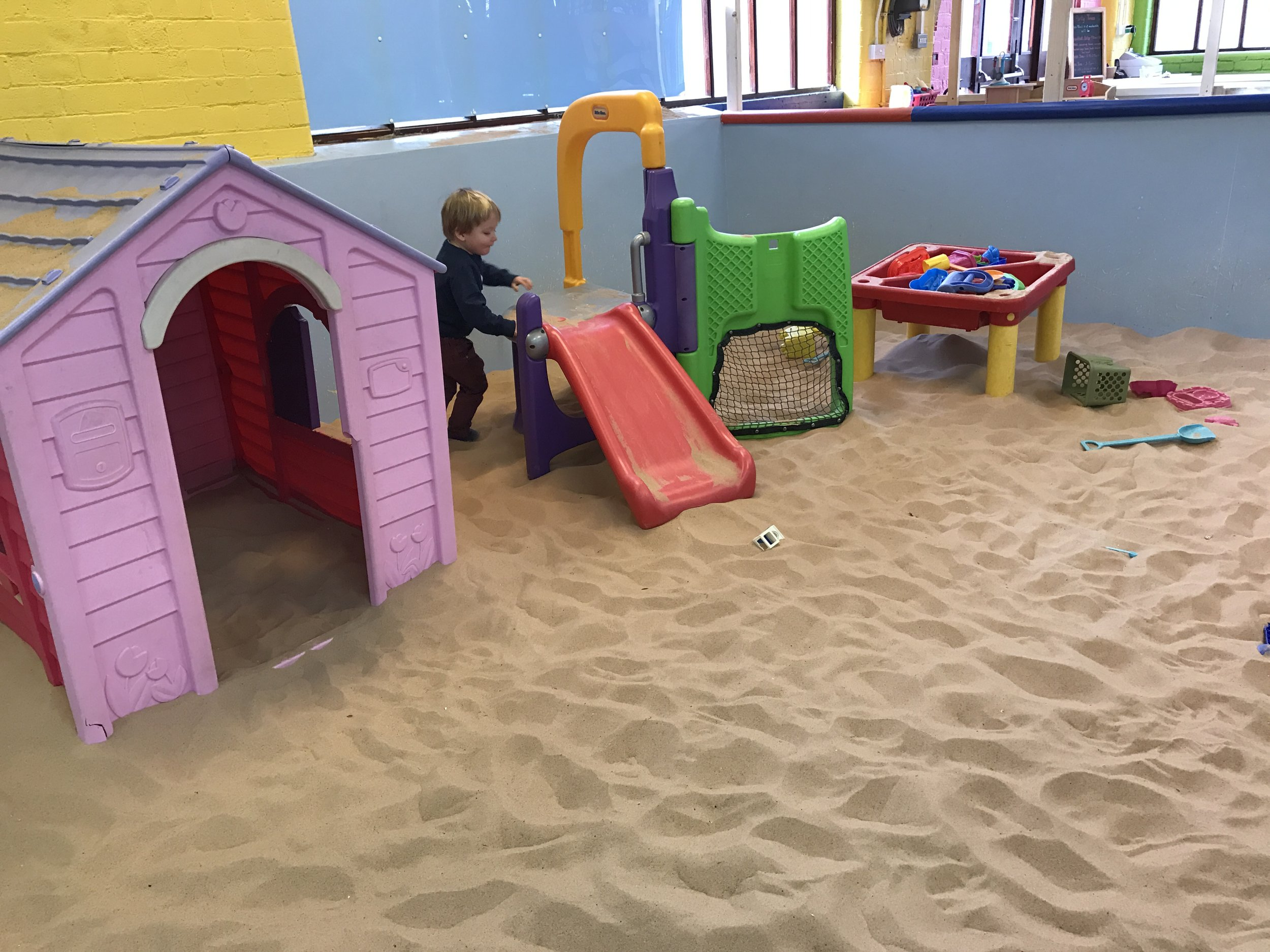 playmill-sand-pit-toys.JPG