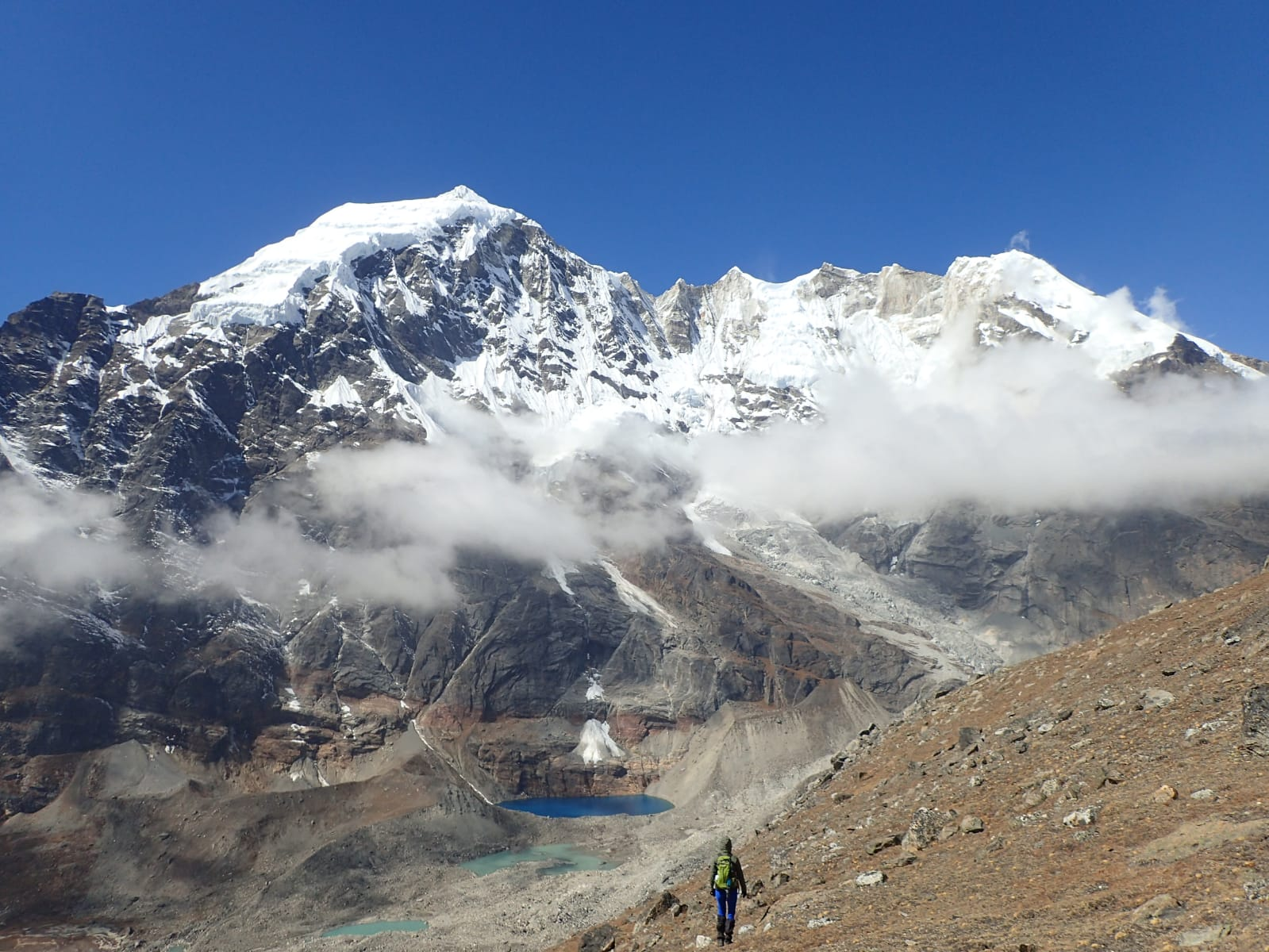 En route to Makalu - between the clouds. Photo by Peter Butler