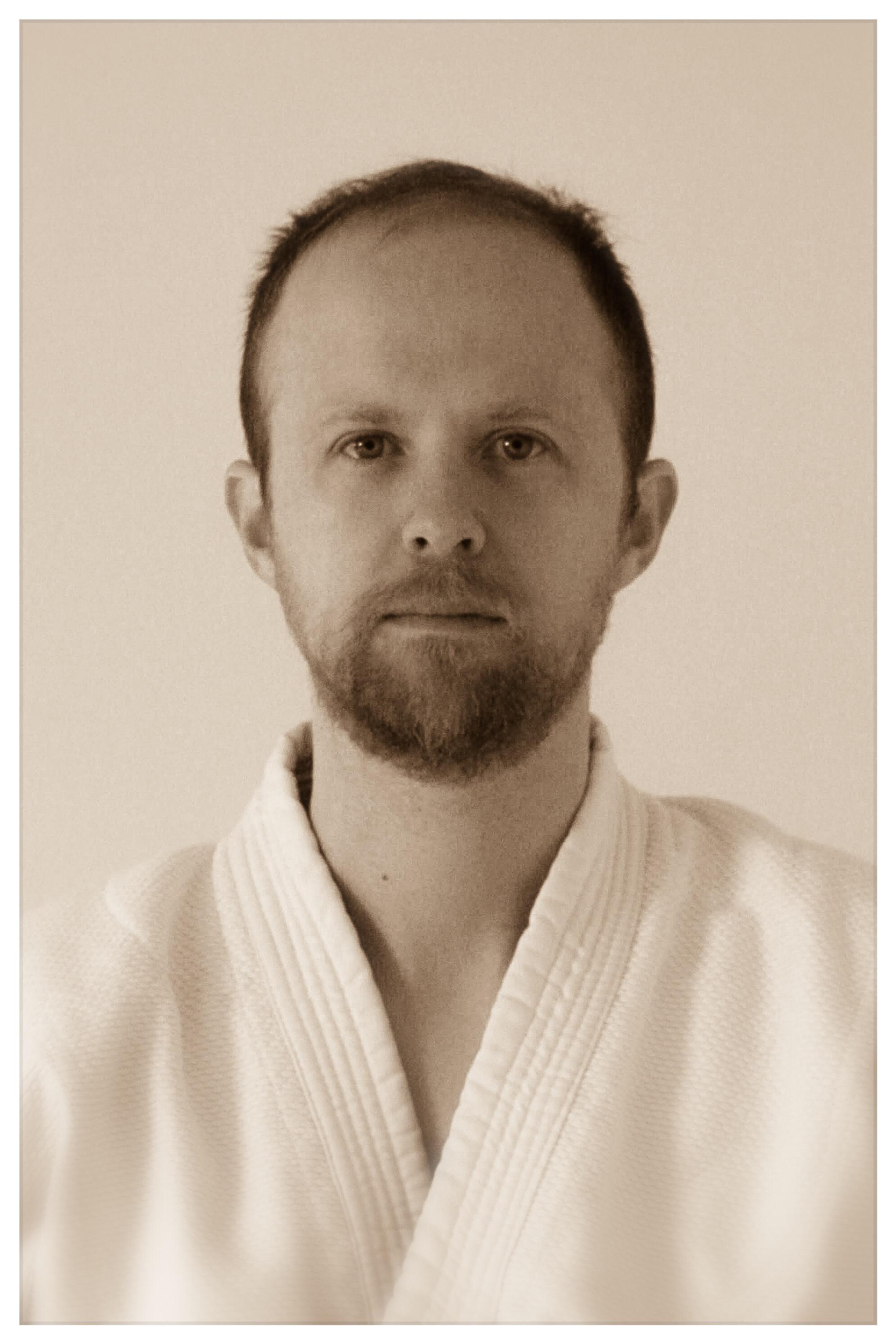 Alaric Everett Sensei   1st Dan, Qualified Teacher  Exeter/Isshinkan
