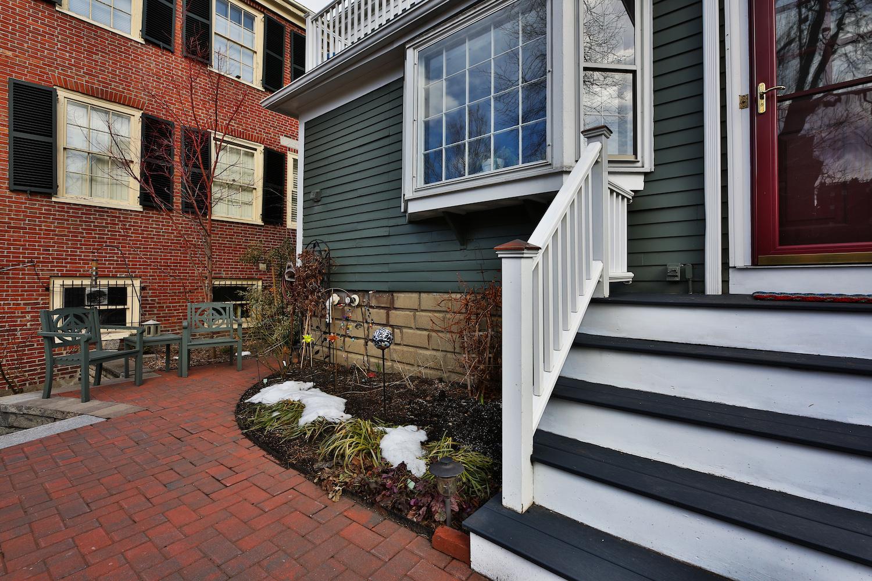 5_HavenStreet__patio.jpg