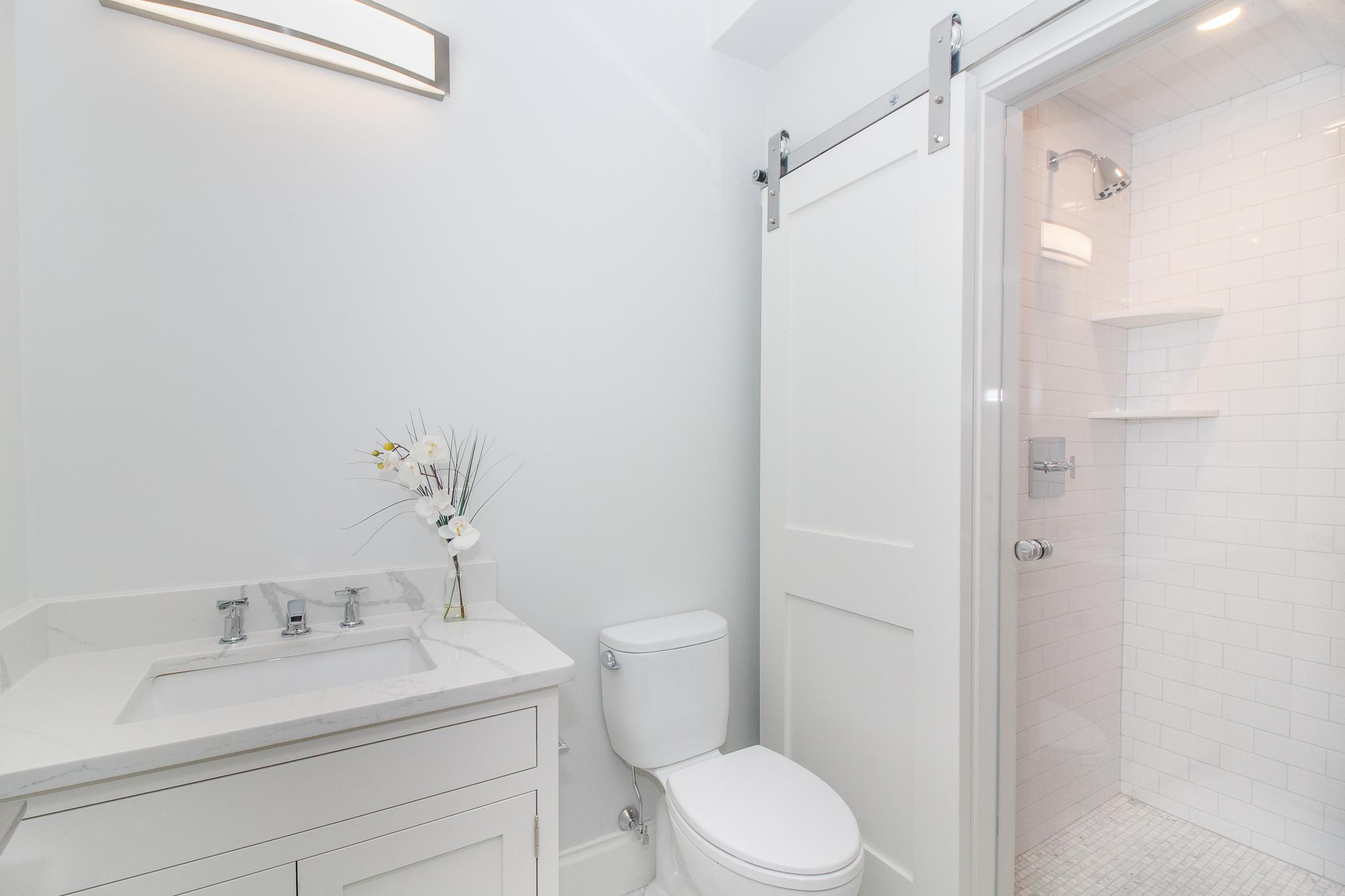 1bathroom1B.jpg
