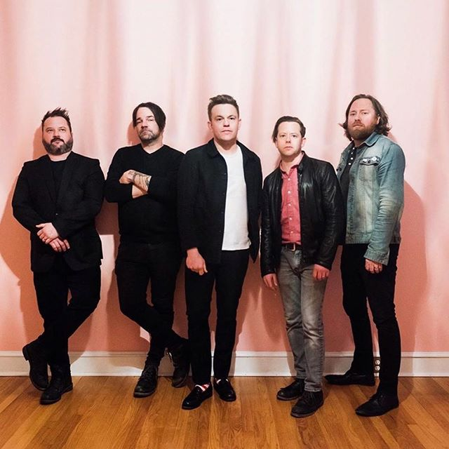 The @thegetupkids might be spread out across the country, but the band's Matt Pryor loves their Lawrence, Kansas, connection. New story up, link in bio. #thegetupkids #merchandising #tour