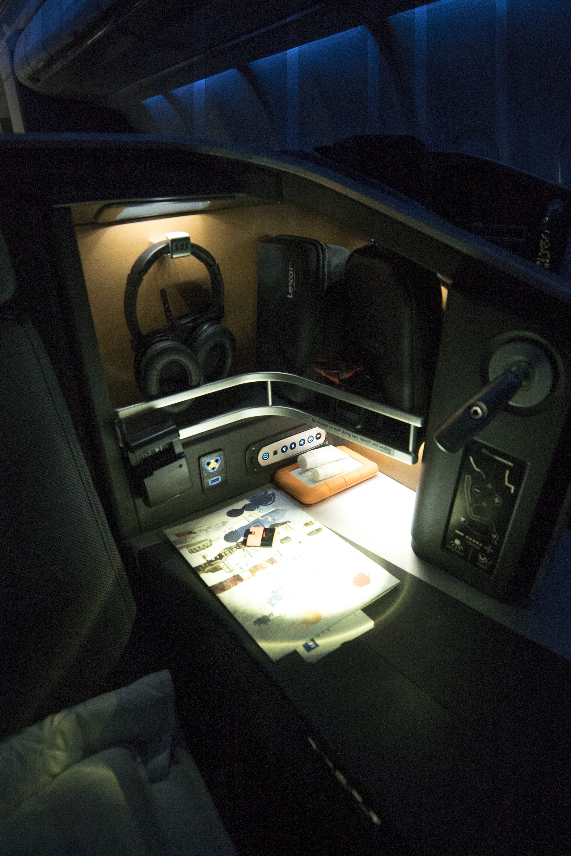 Seat storage compartment