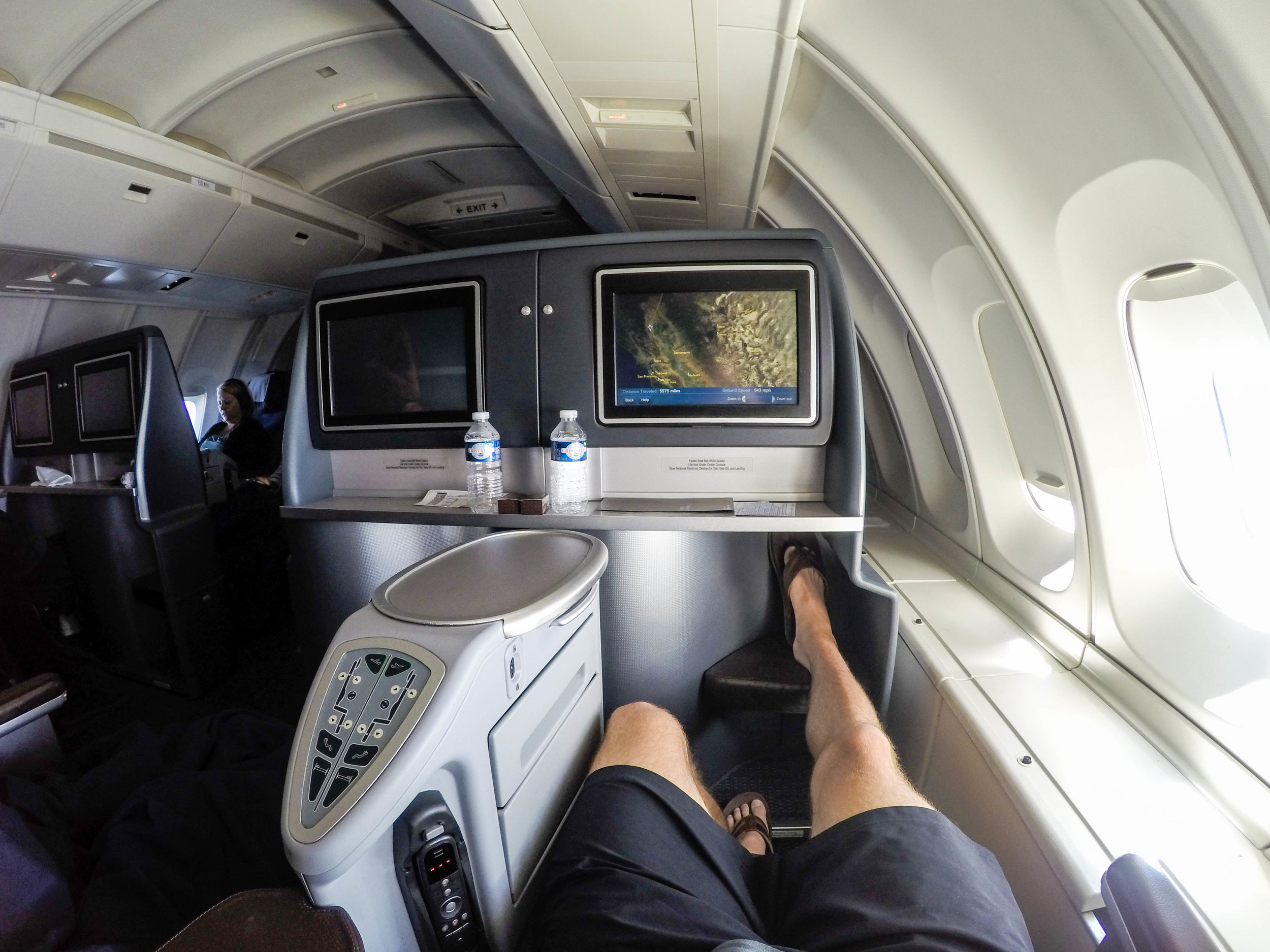 Flight Review - My second time flying in United's now retired 747-400 Upper Deck Business Class.