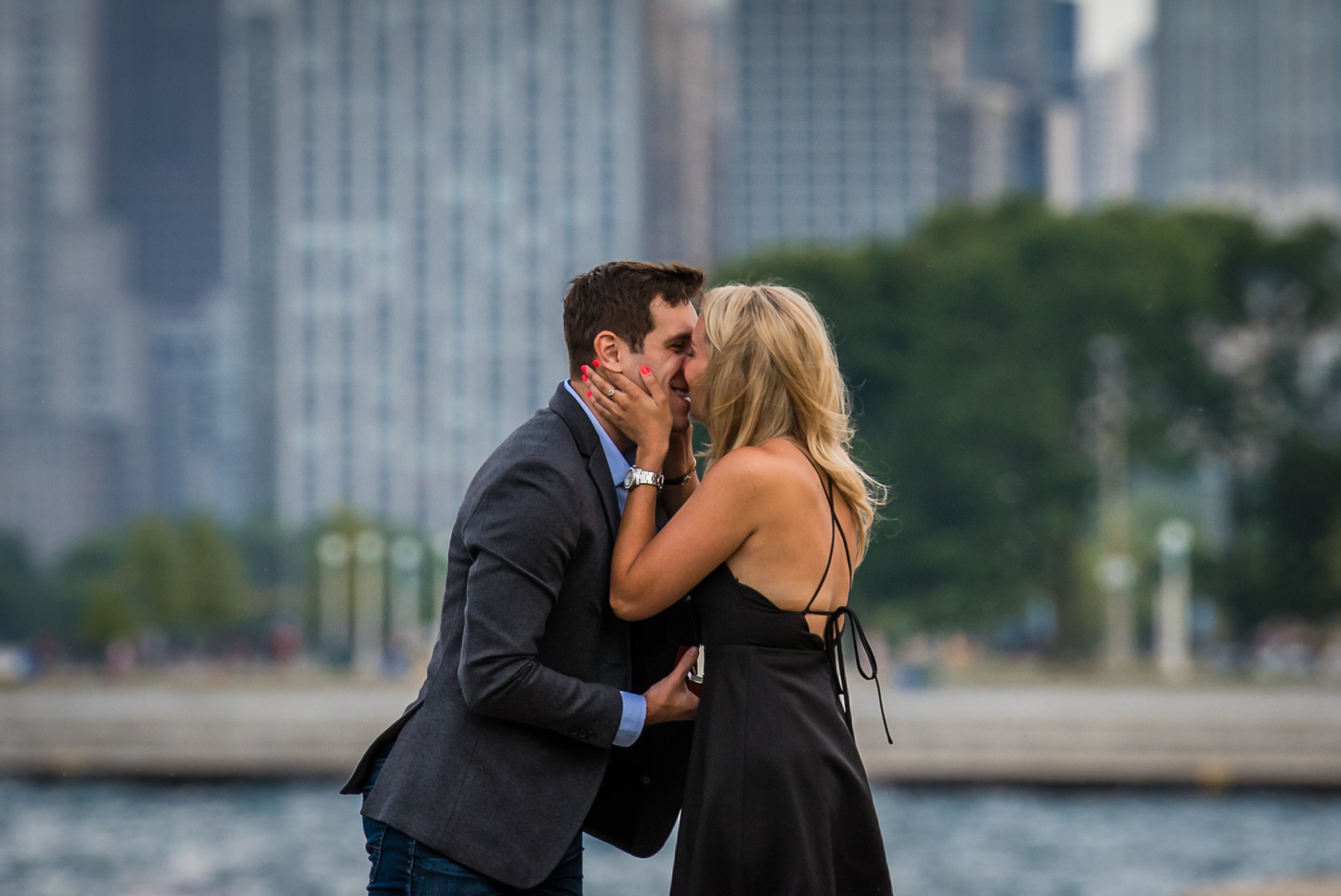 heather hackney photography chicago www.heatherhackney.com chicago engagement chicago sunset proposal diversy harbor chicago--5.jpg