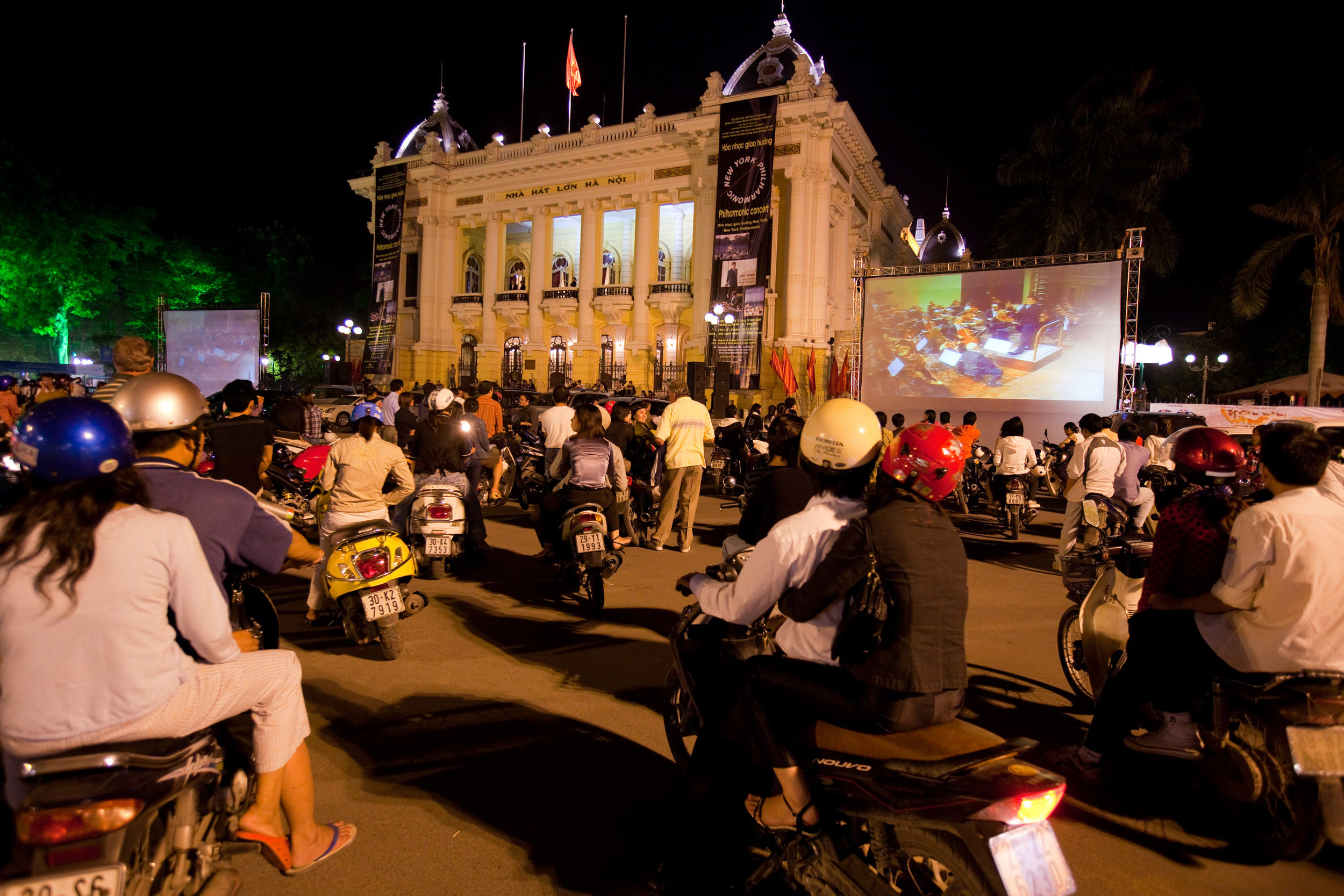 The Philharmonic's Vietnam debut was shared beyond the walls of the Hanoi Opera House through a real-time projection on jumbo screens so that the crowds gathered could experience the historic concert.