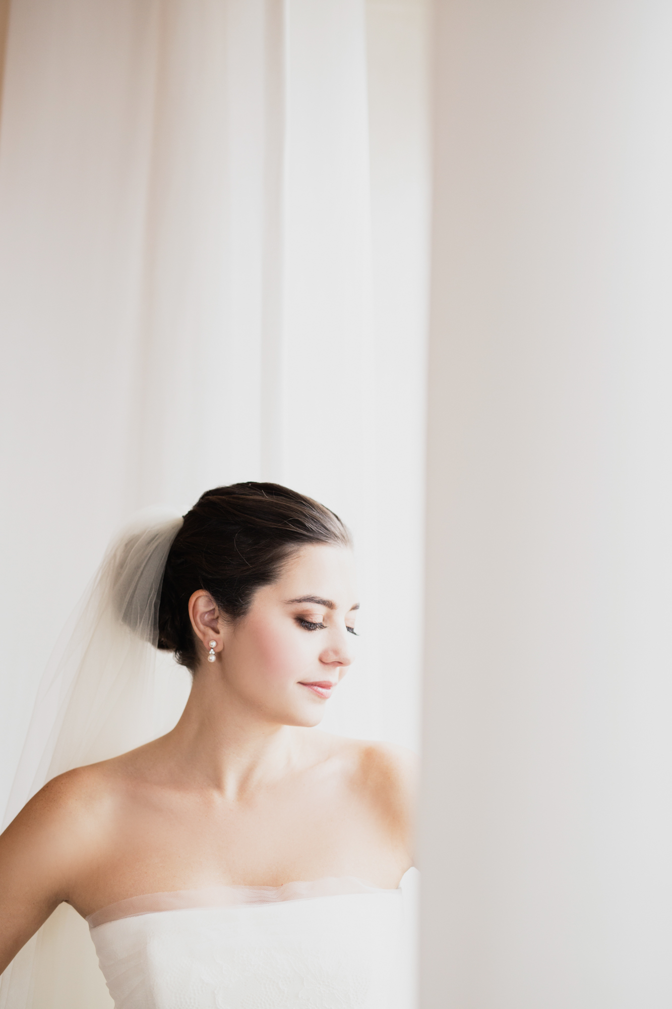 Editorial bridal portrait at InterContinental Chicago
