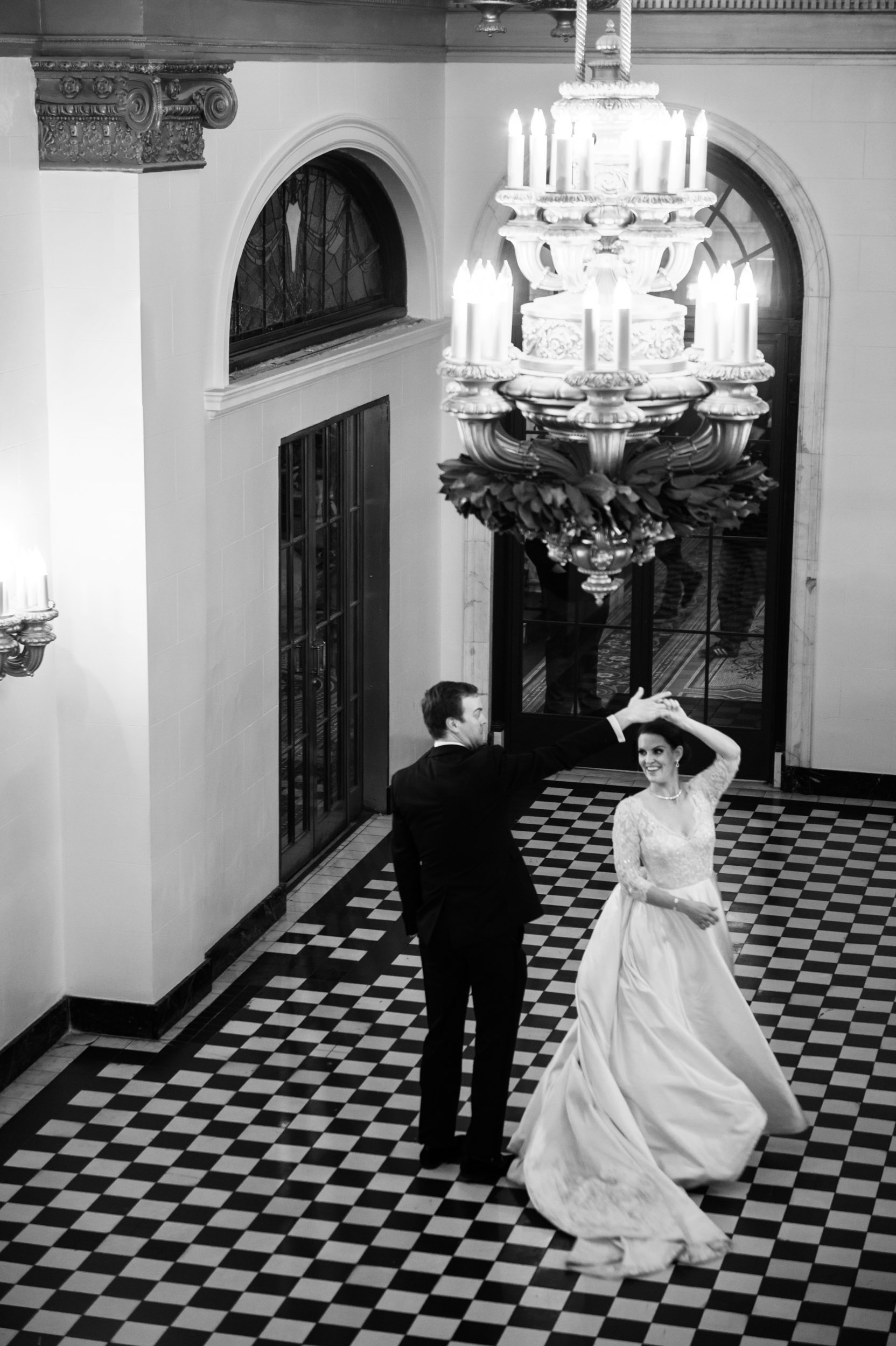 Portrait of a bride and groom at Chicago Athletic Association Hotel