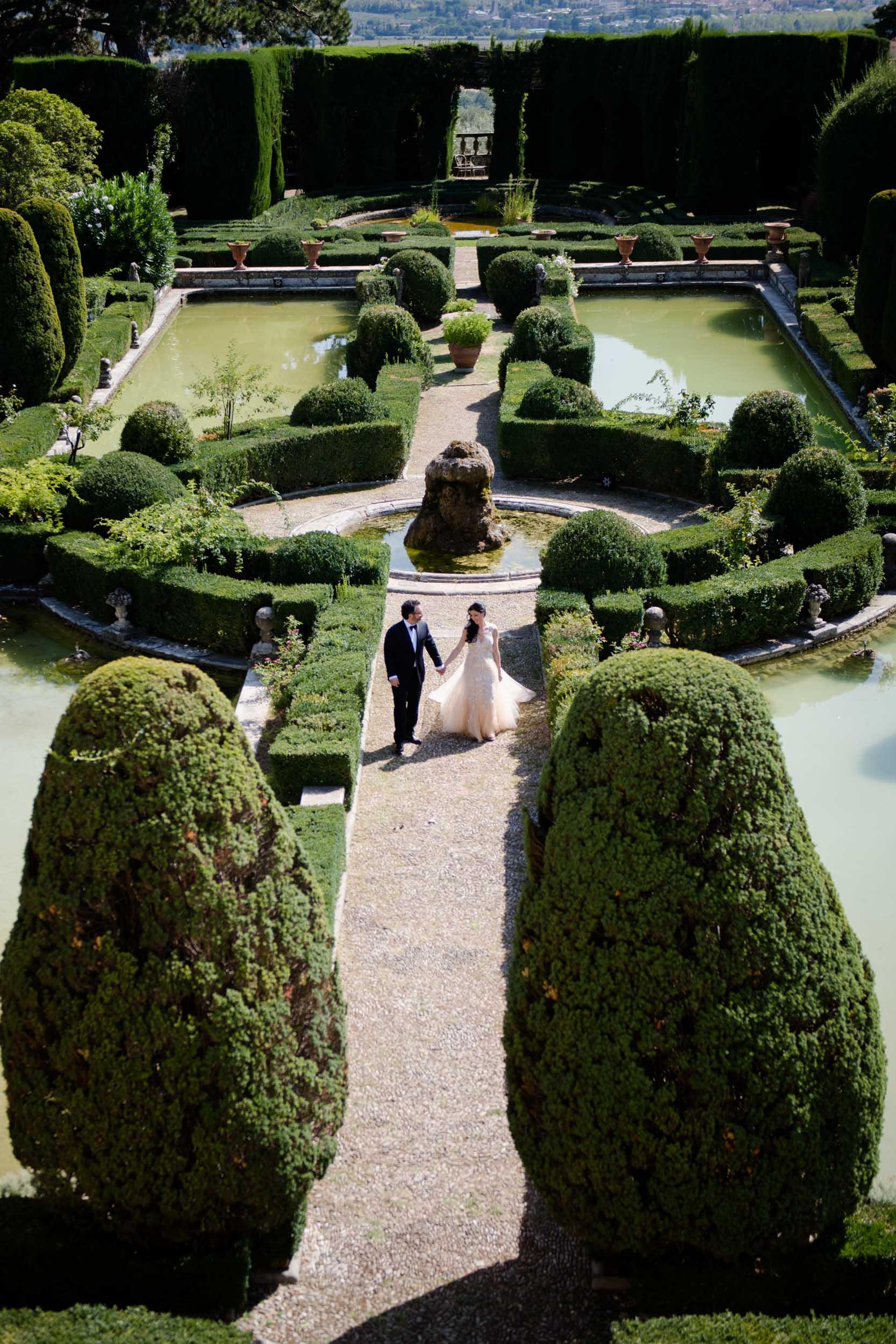 villa-gamberaia-florence-italy-destination-wedding-25.jpg