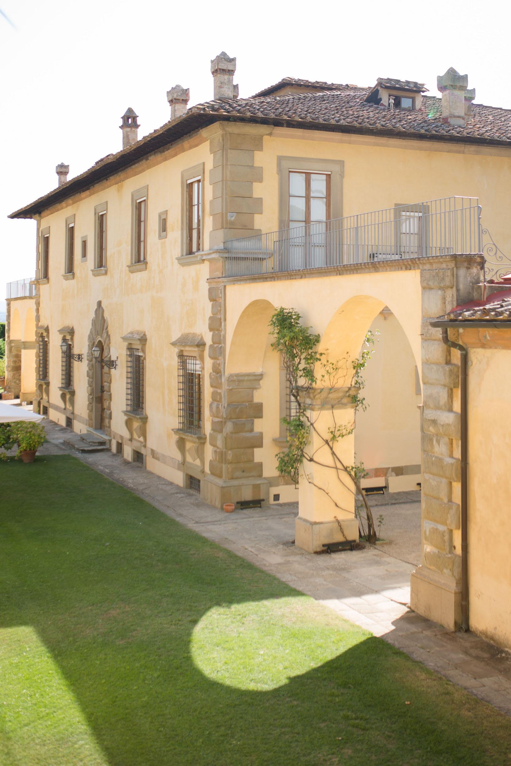 villa-gamberaia-florence-italy-destination-wedding-31.jpg