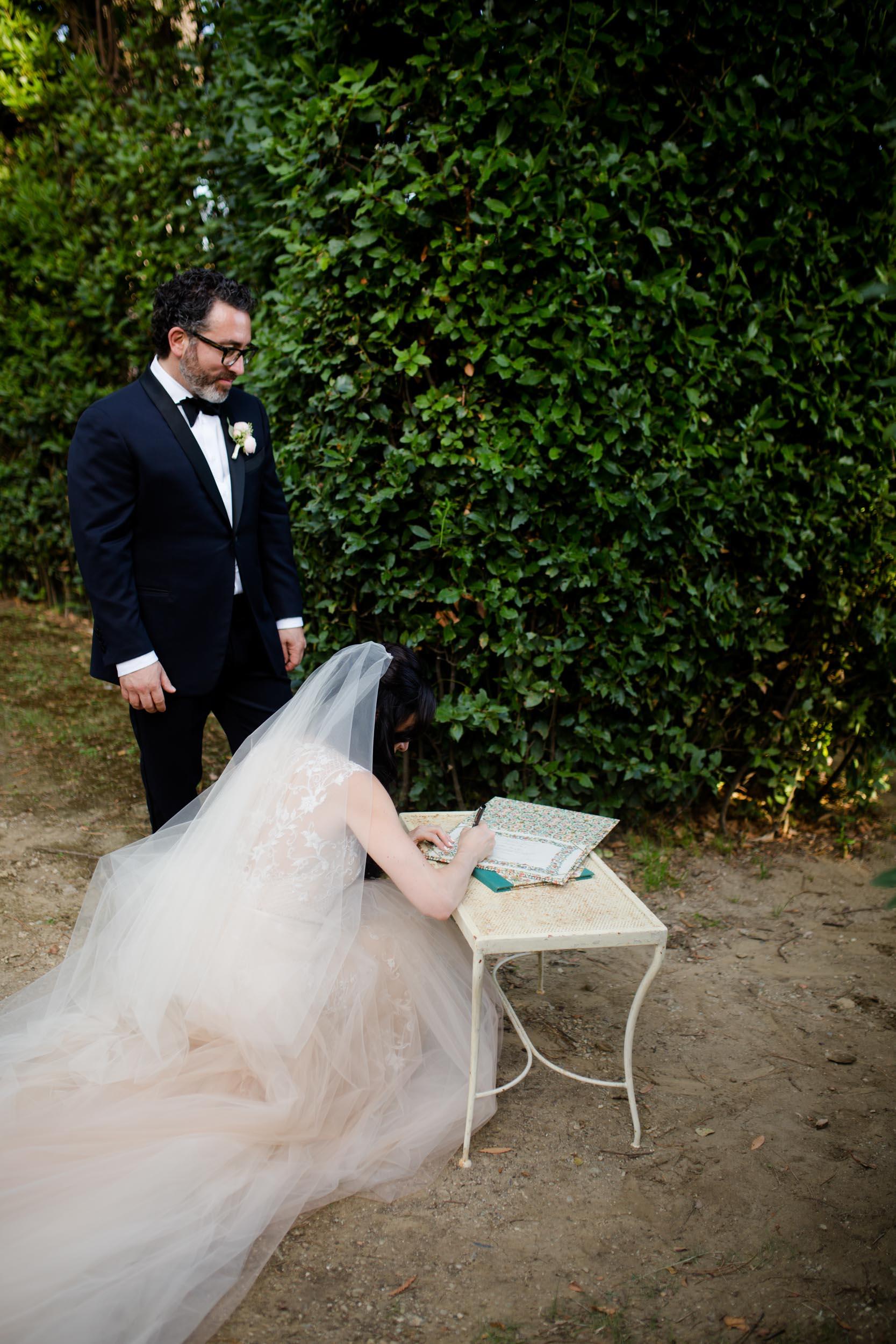 villa-gamberaia-florence-italy-destination-wedding-41.jpg