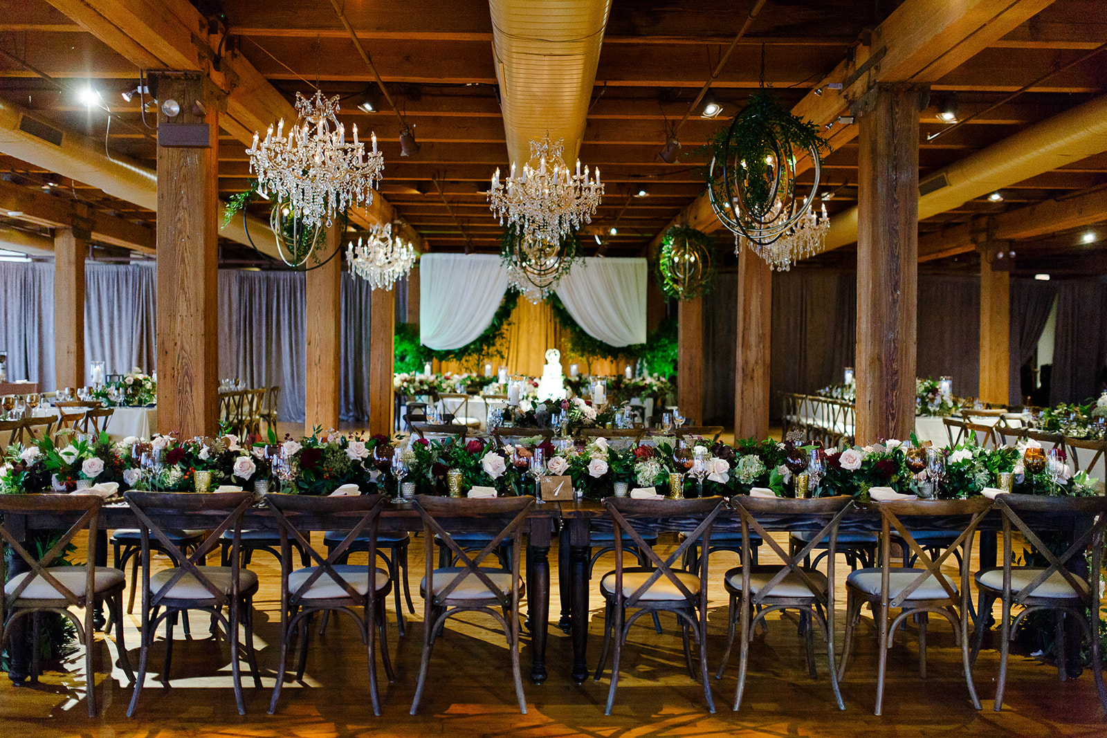 Bridgeport Art Center Sculpture Garden weddings like this one make us swoon! Renee Price and Kehoe designs did a fantastic job with the decor and did we mention how much we adore working with Claire Weller from Big City Bride? Seriously - hire Claire.