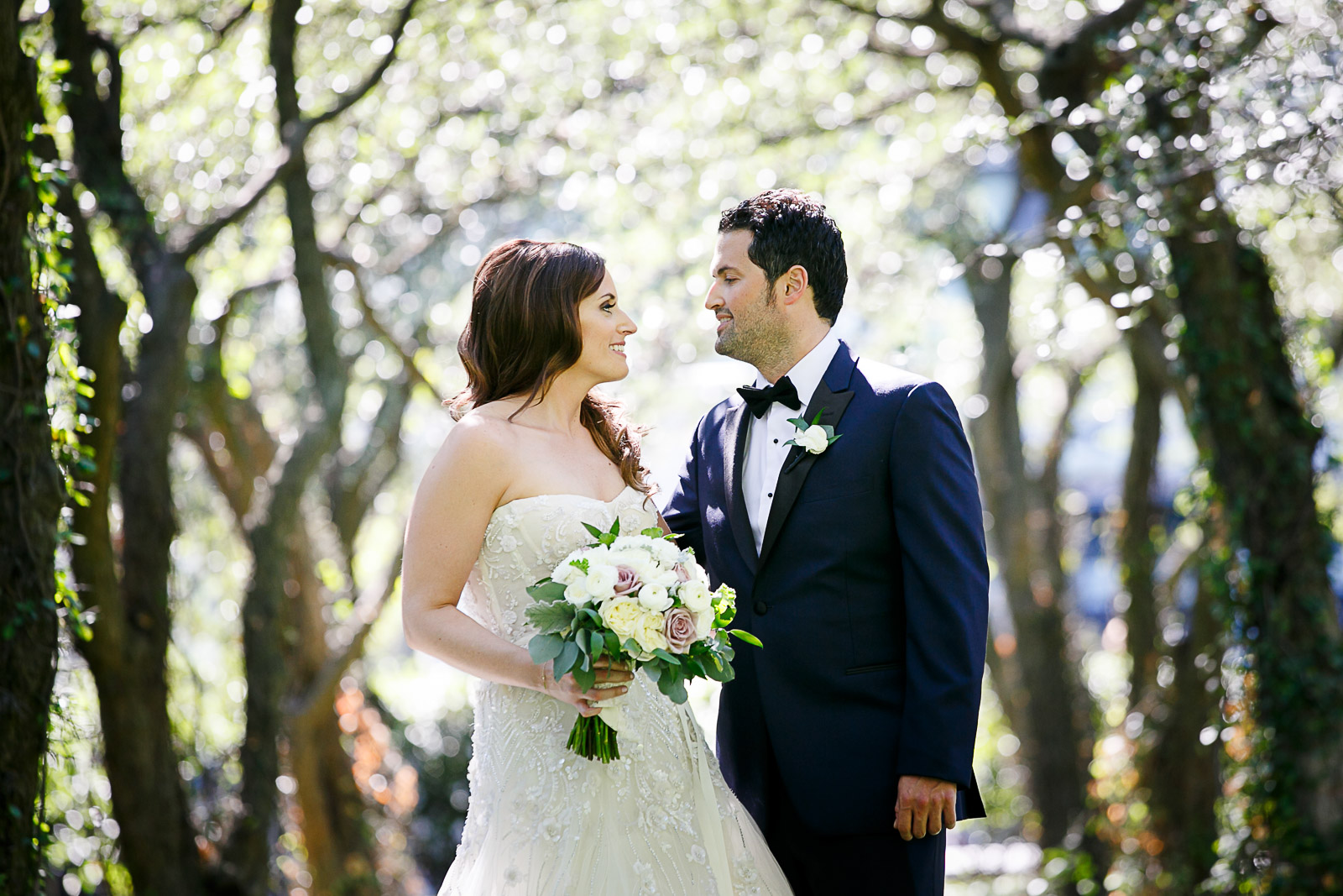 Bride and groom portraits at Chicago's Art Institute South Gardens
