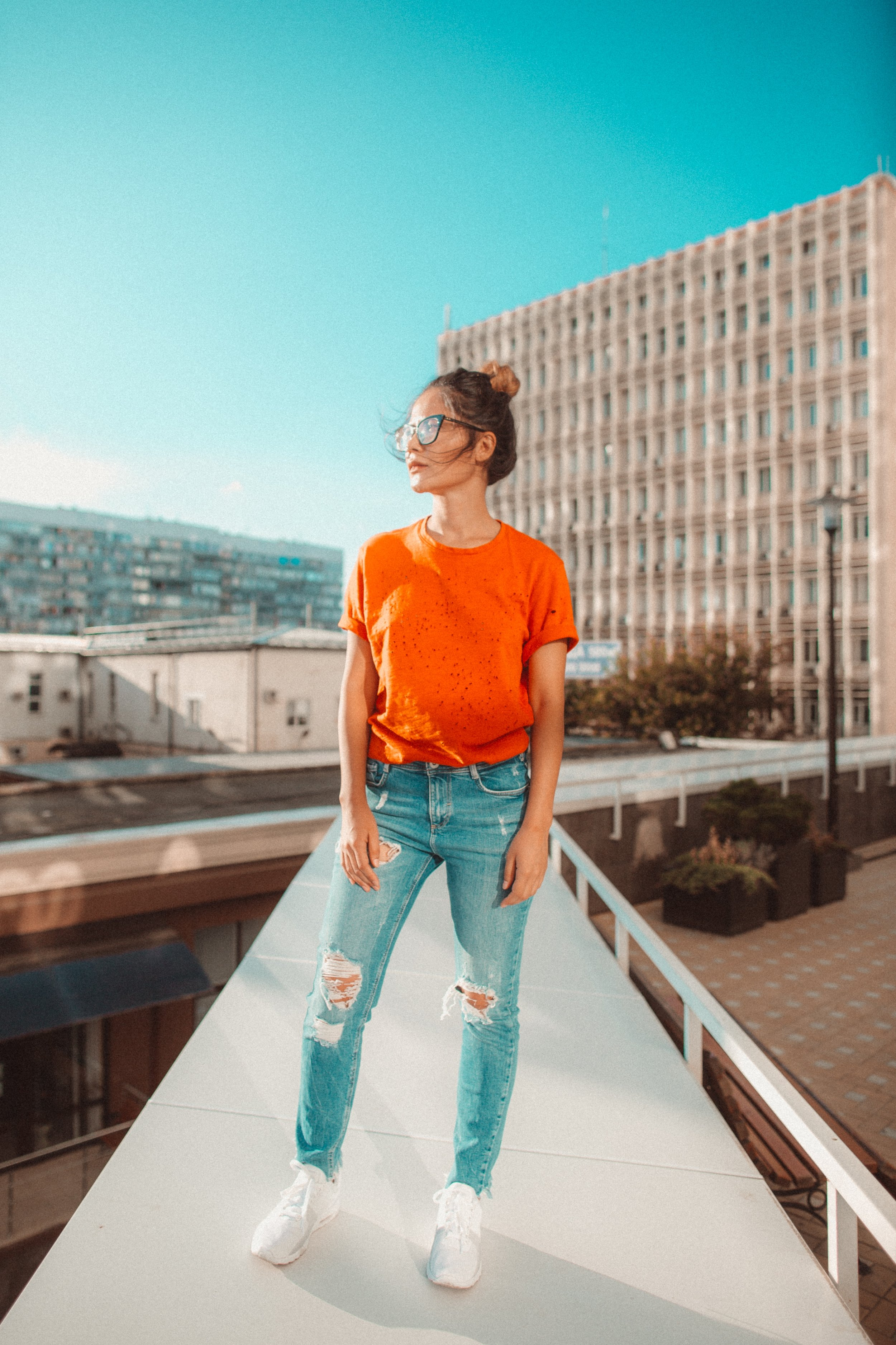 Brands can work with influencers all over the world, or within their own city/country/region, bringing their audiences closer to individuals who have a wide sphere of influence in their niche