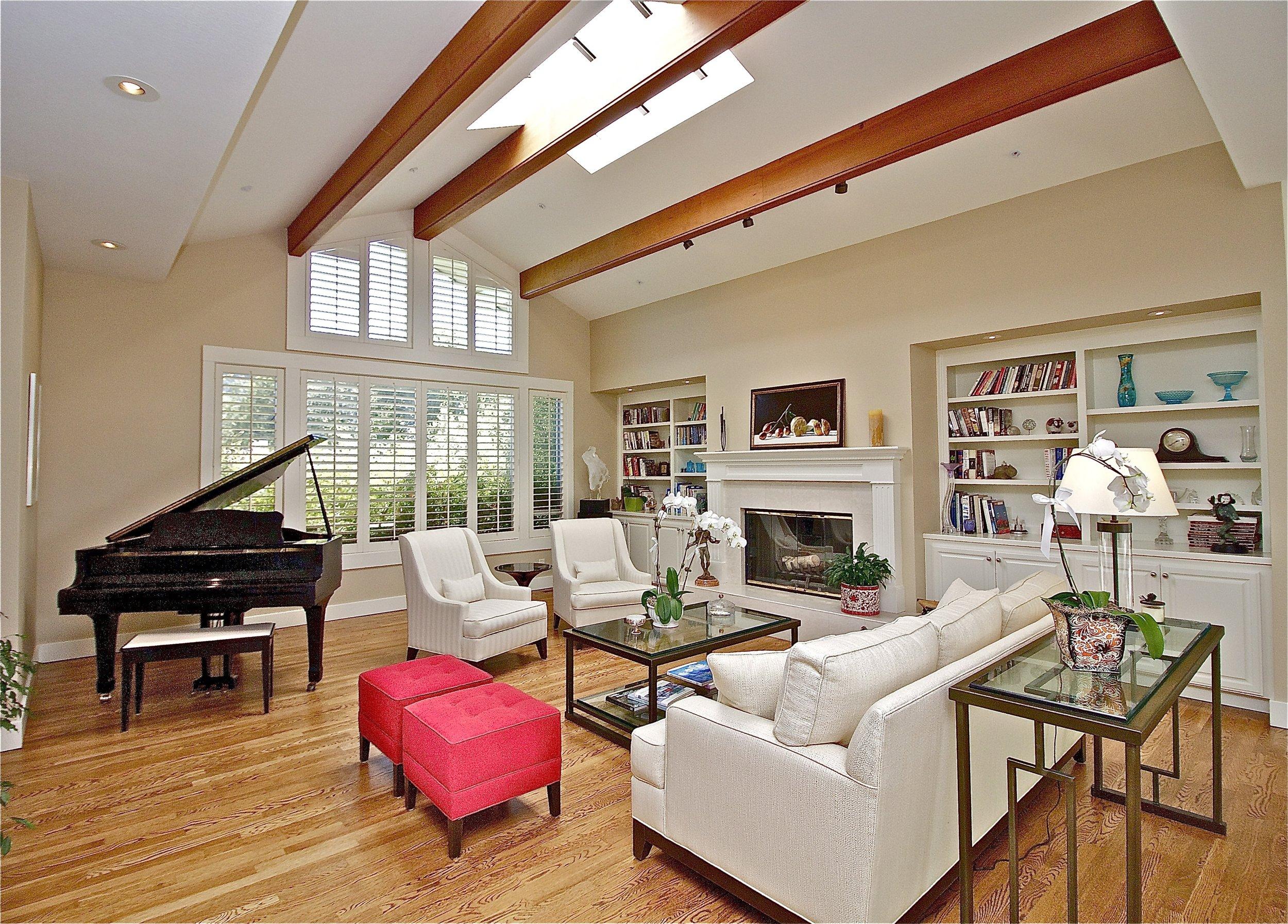 2. Living Room 1.jpg