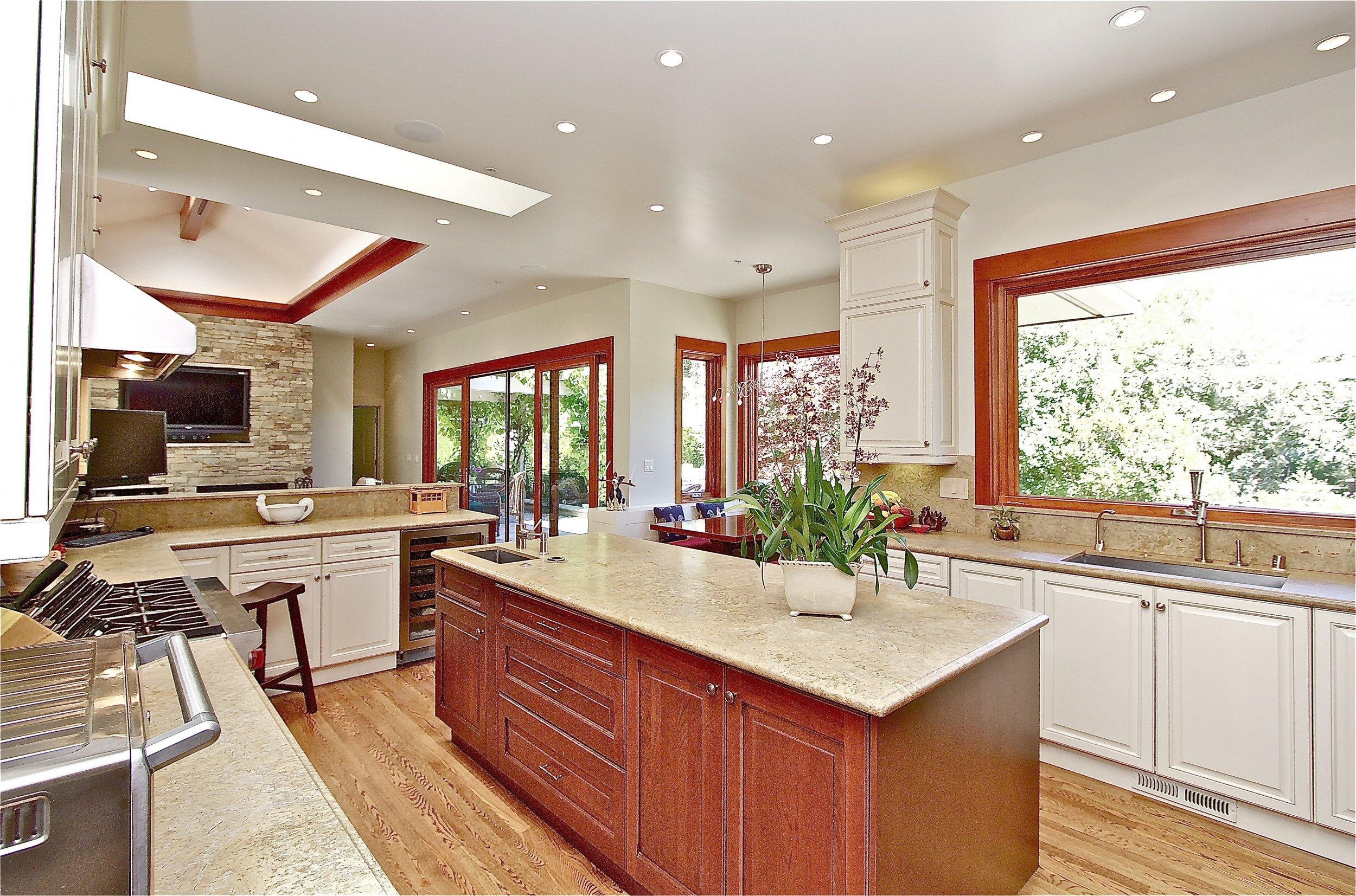 4. Kitchen Windows.jpg