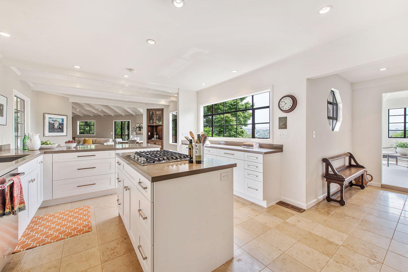 Kitchen to FR.jpg