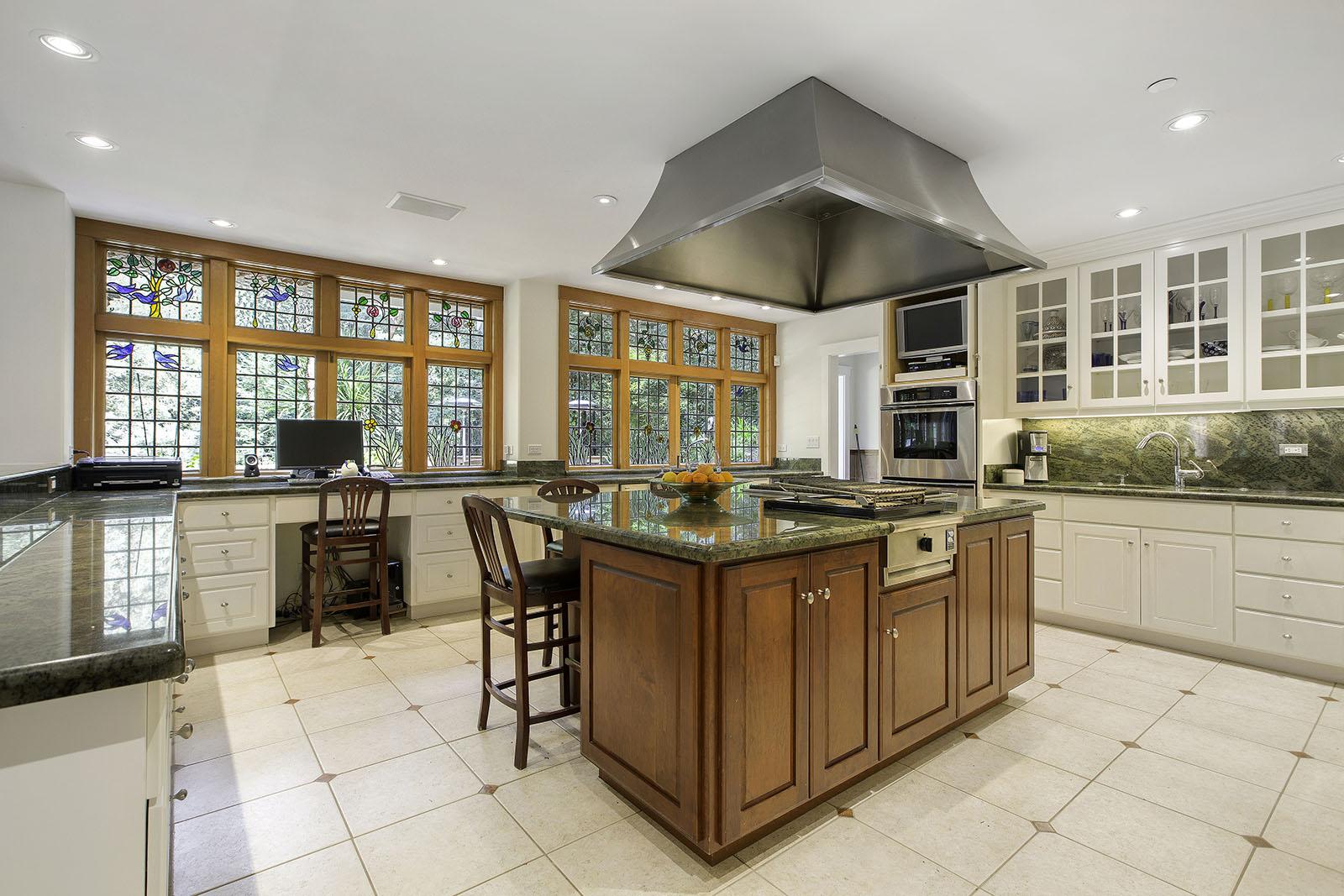 5. Kitchen island to windows.jpg