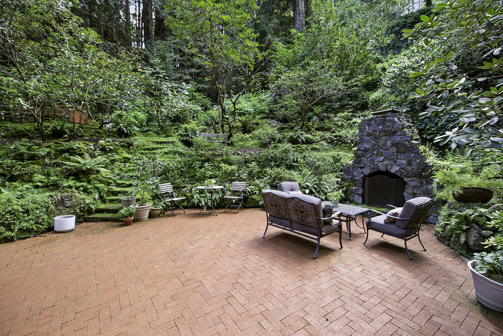 31. Outdoor fireplace - seating.jpg