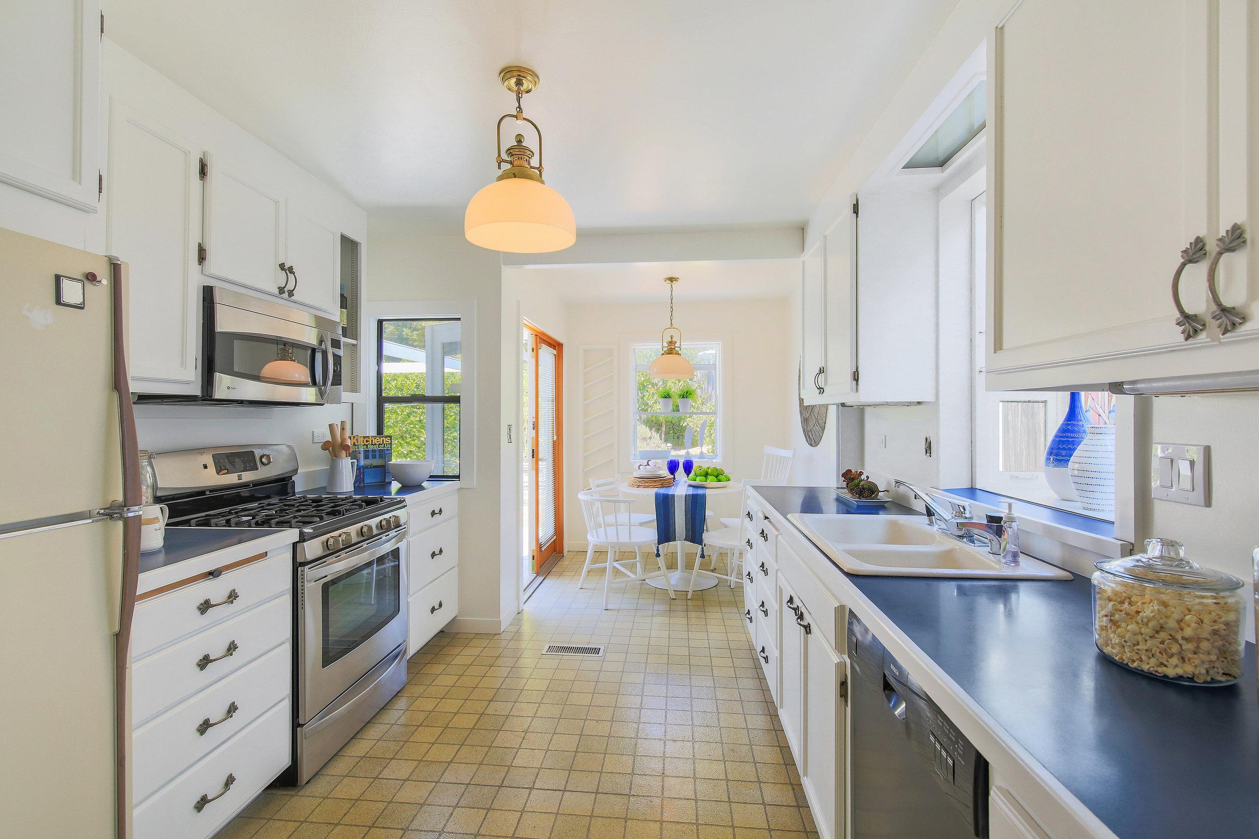 Kitchen to nook.jpg