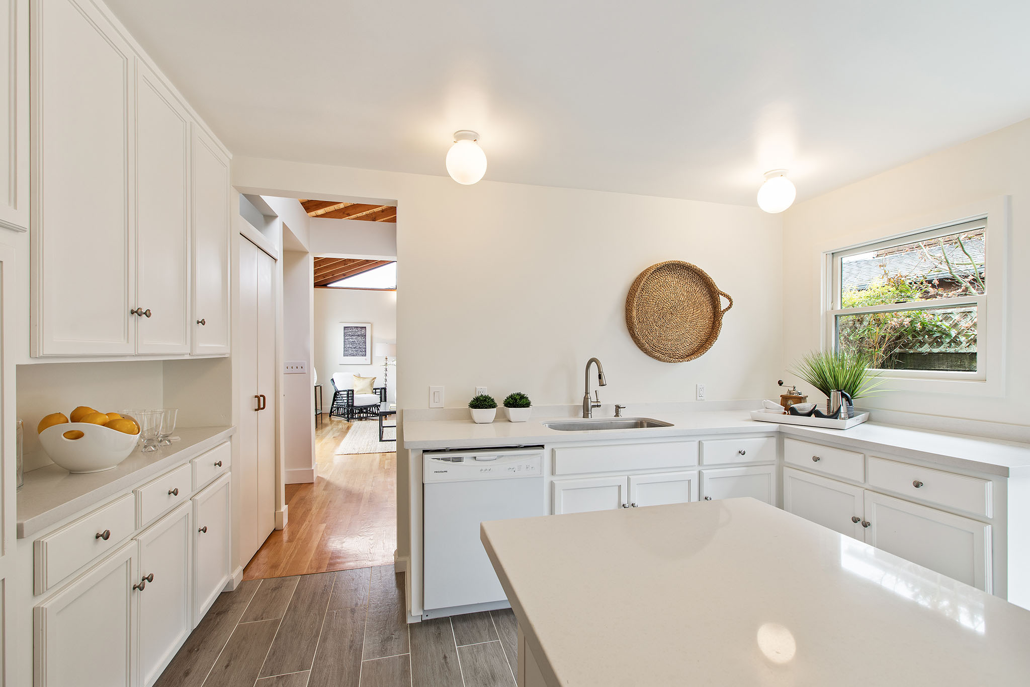 Kitchen - 2 to LR.jpg