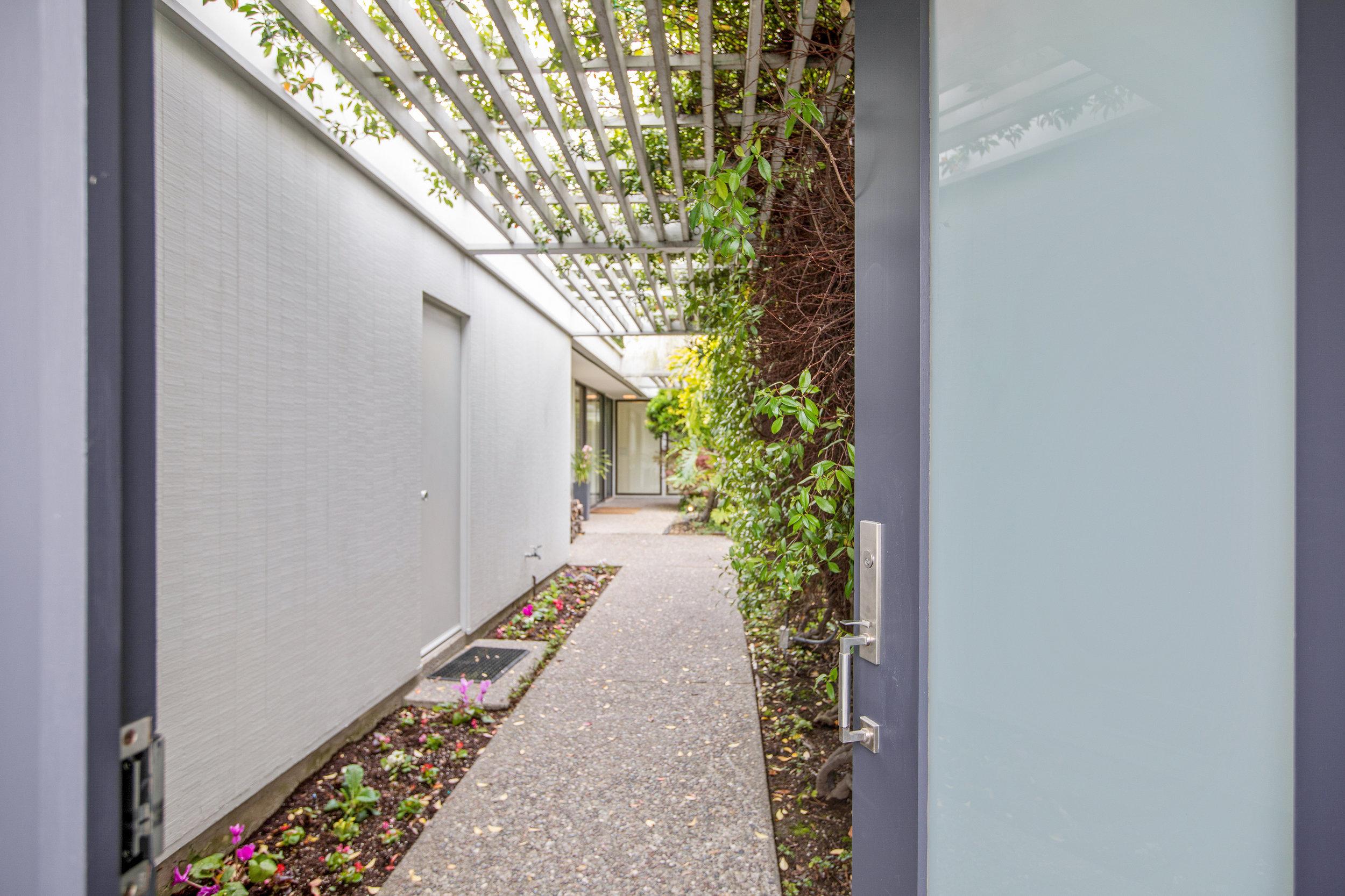 Courtyard enter.jpg