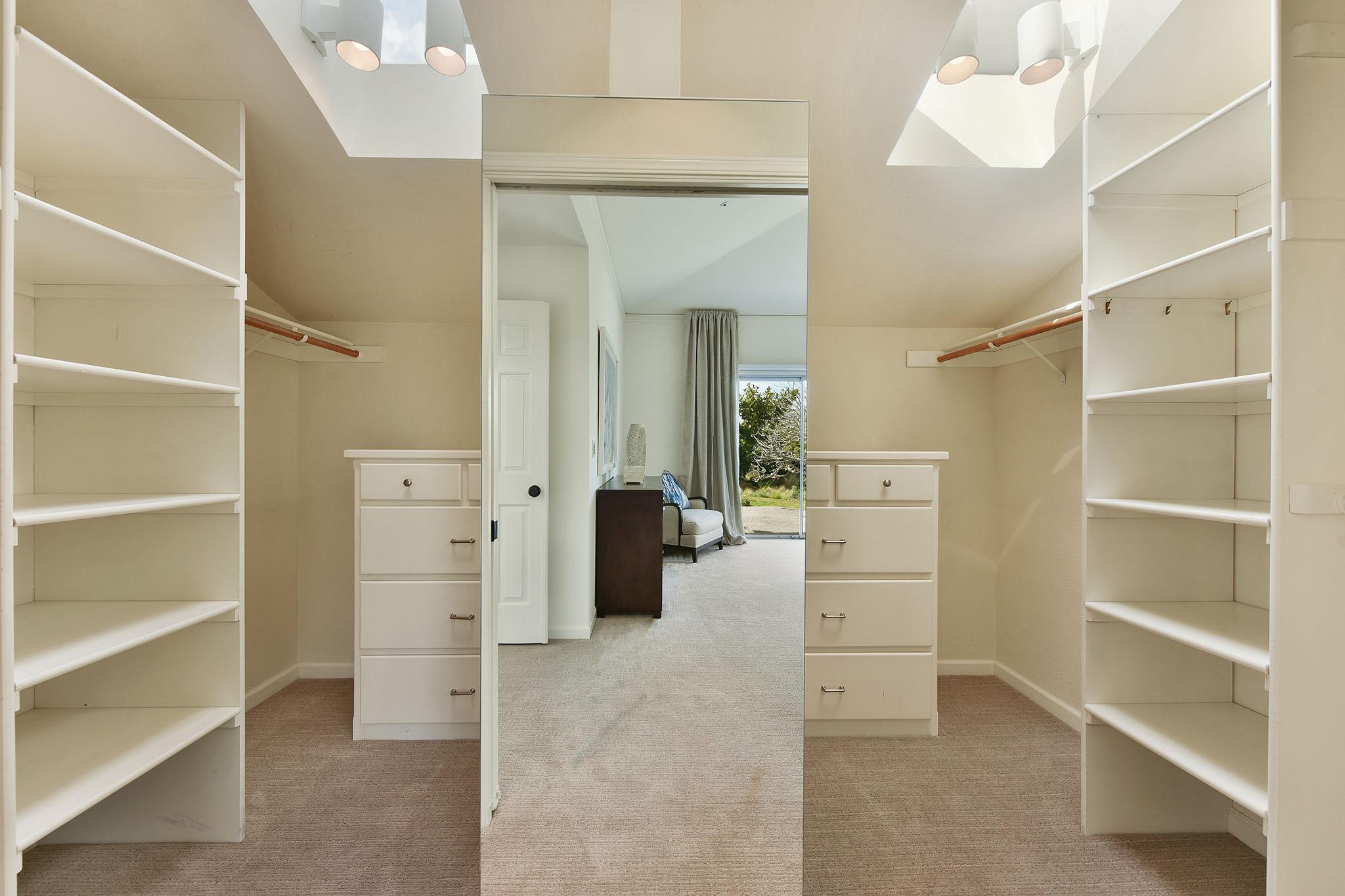 BR1-closet.jpg
