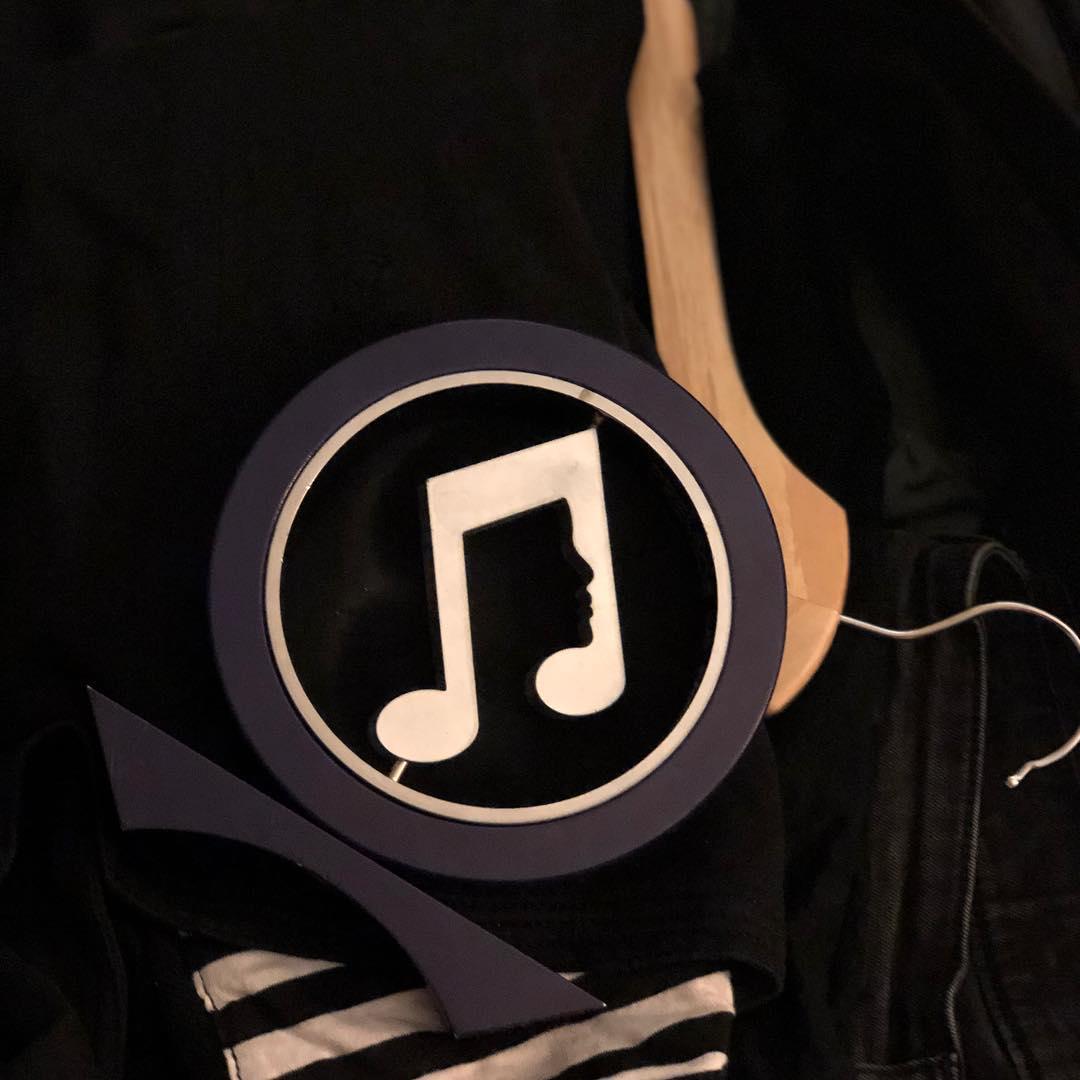 Lucho: - Este nuevo premio #premiosmigente que va en la maleta no es otro más... es el primero de muchos que nos faltan!!!