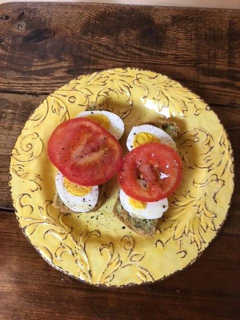 hard boiled egg tomato.JPG
