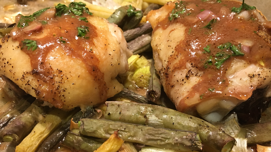 Roasted Chicken Thighs with Scallions and Green Beans.PNG