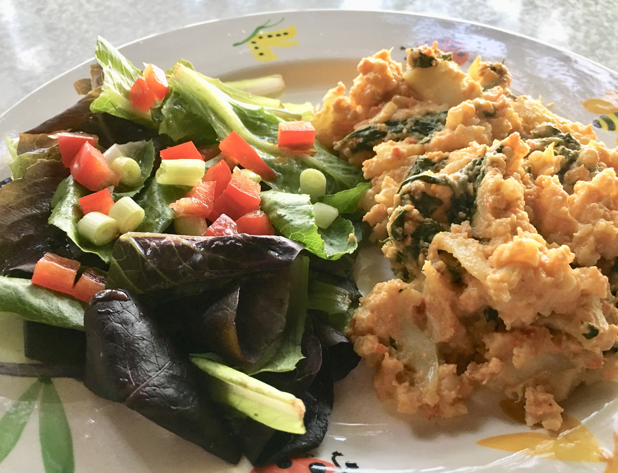 Vegan Cauliflower Mac N Cheese Casserole w Mixed Greens.JPG