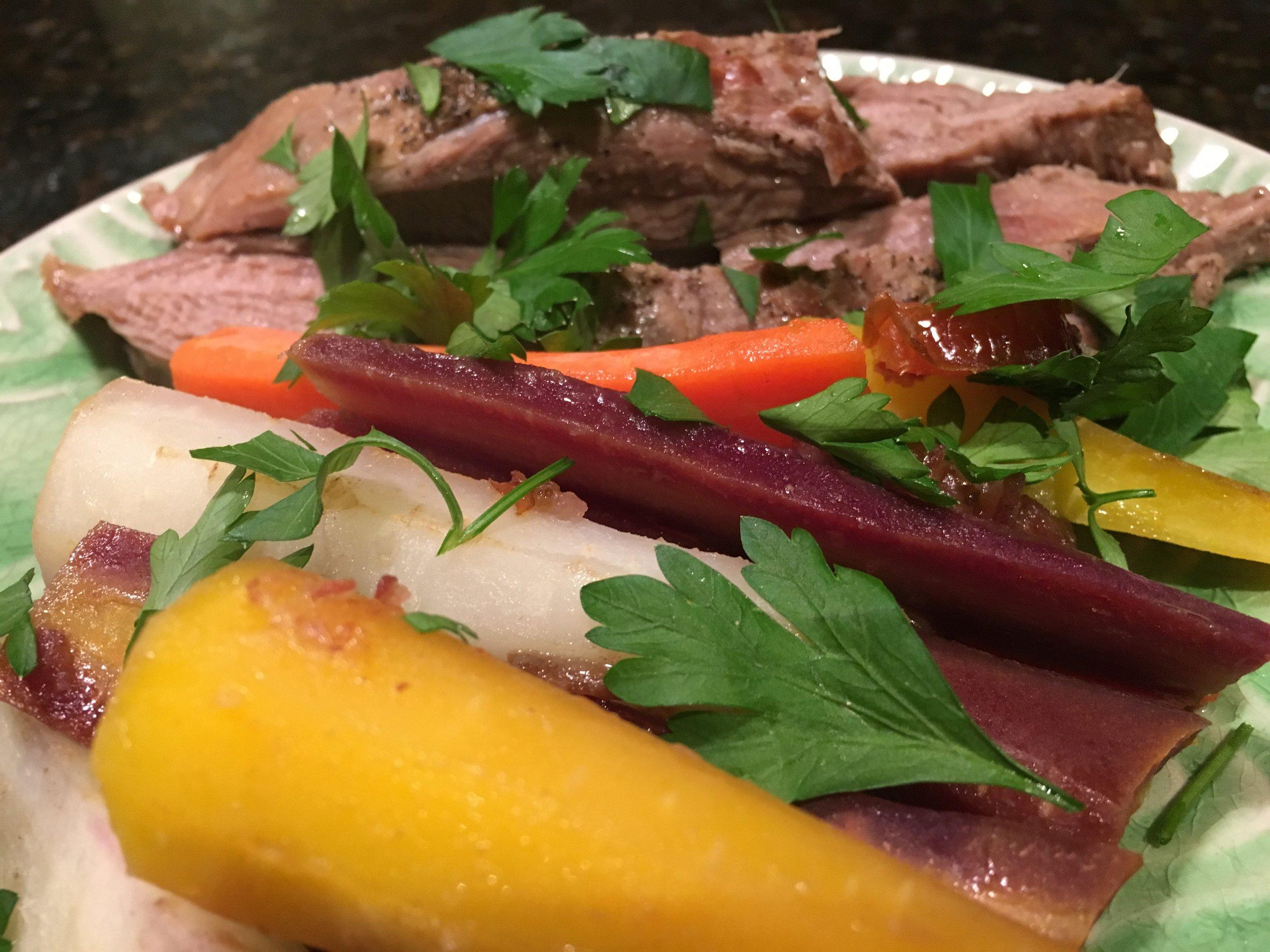 Flank Steak w Roasted Carrots.JPG