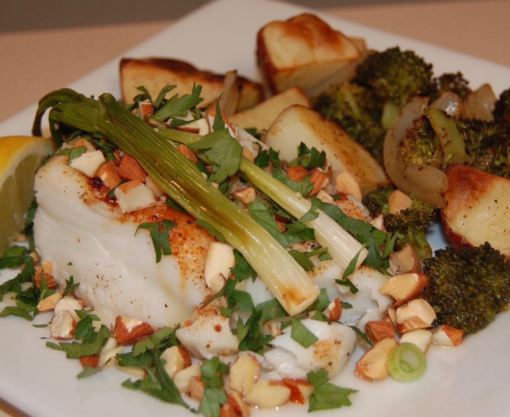 Roasted Cod w Scallions%2c Potatoes & Broccoli.JPG