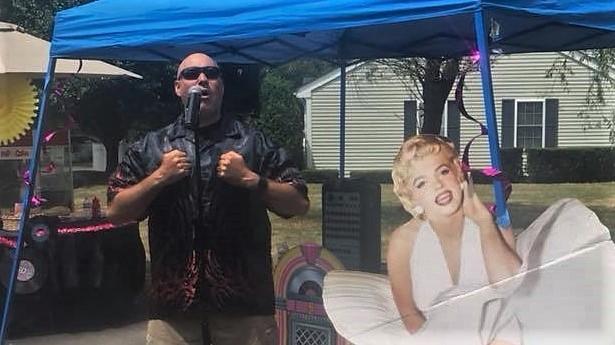 Entertainer Bill Burke - Video Still - No larger size available.jpg