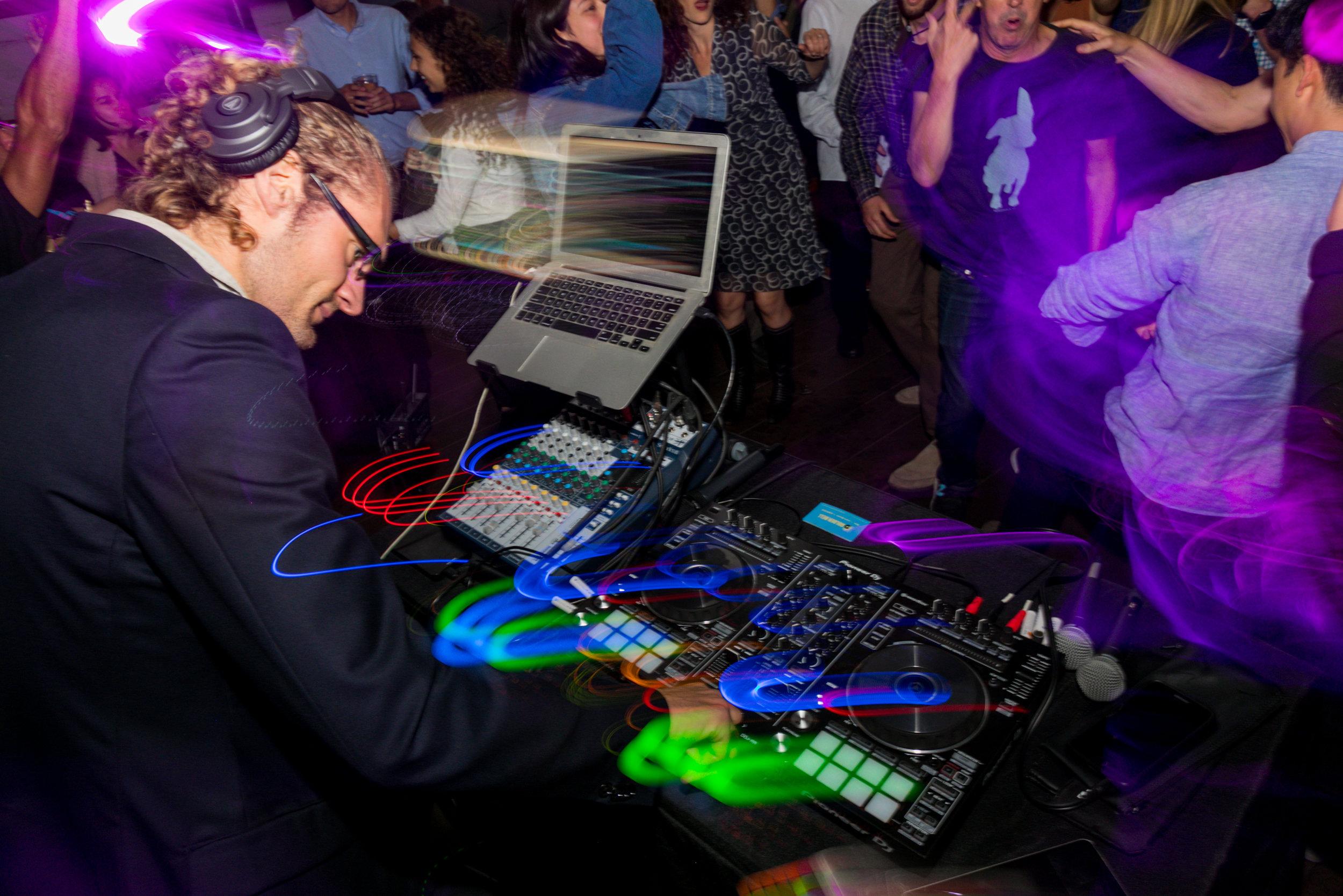 Chris Hoog DJ.jpg