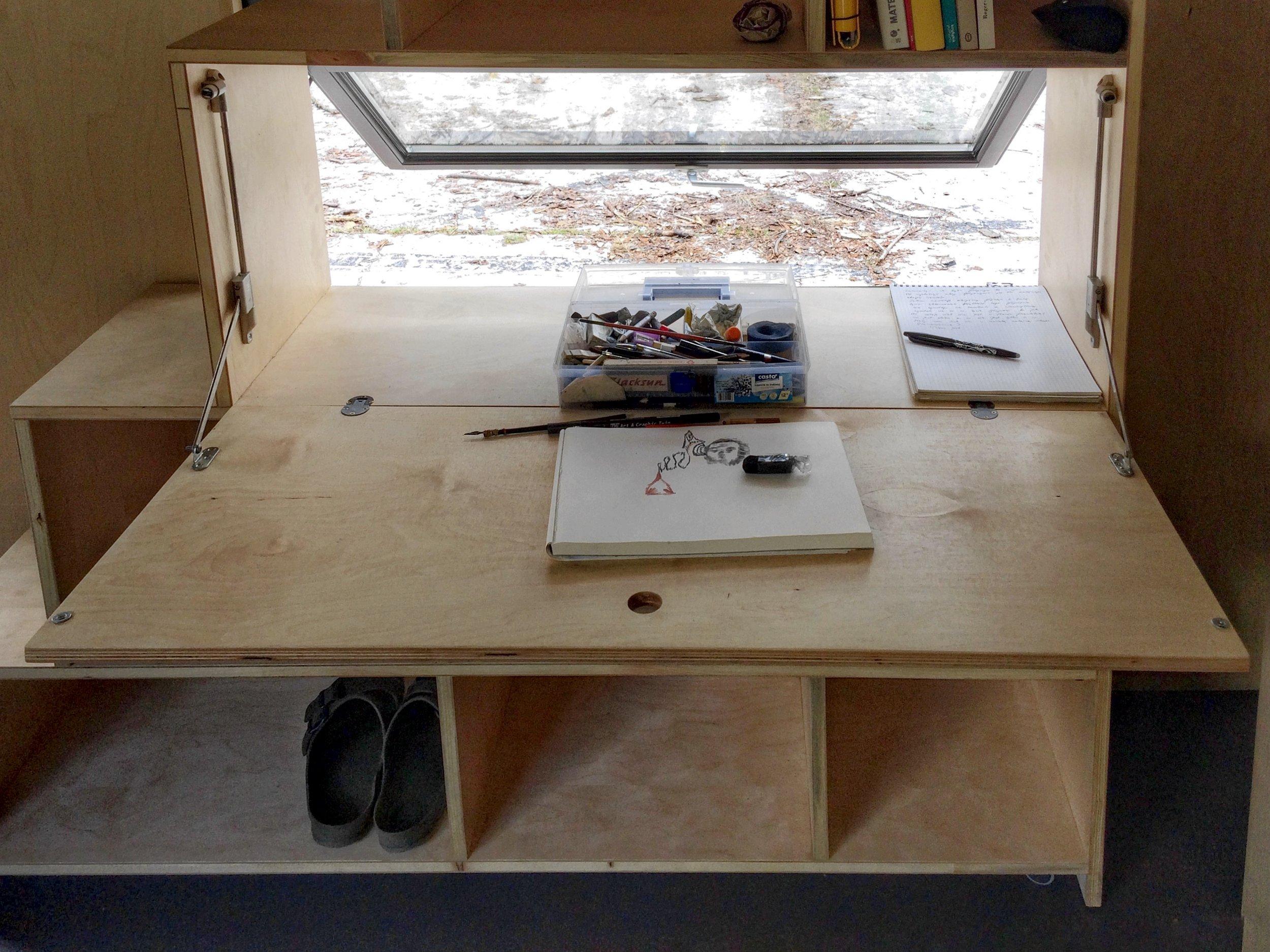 in_desk.jpg