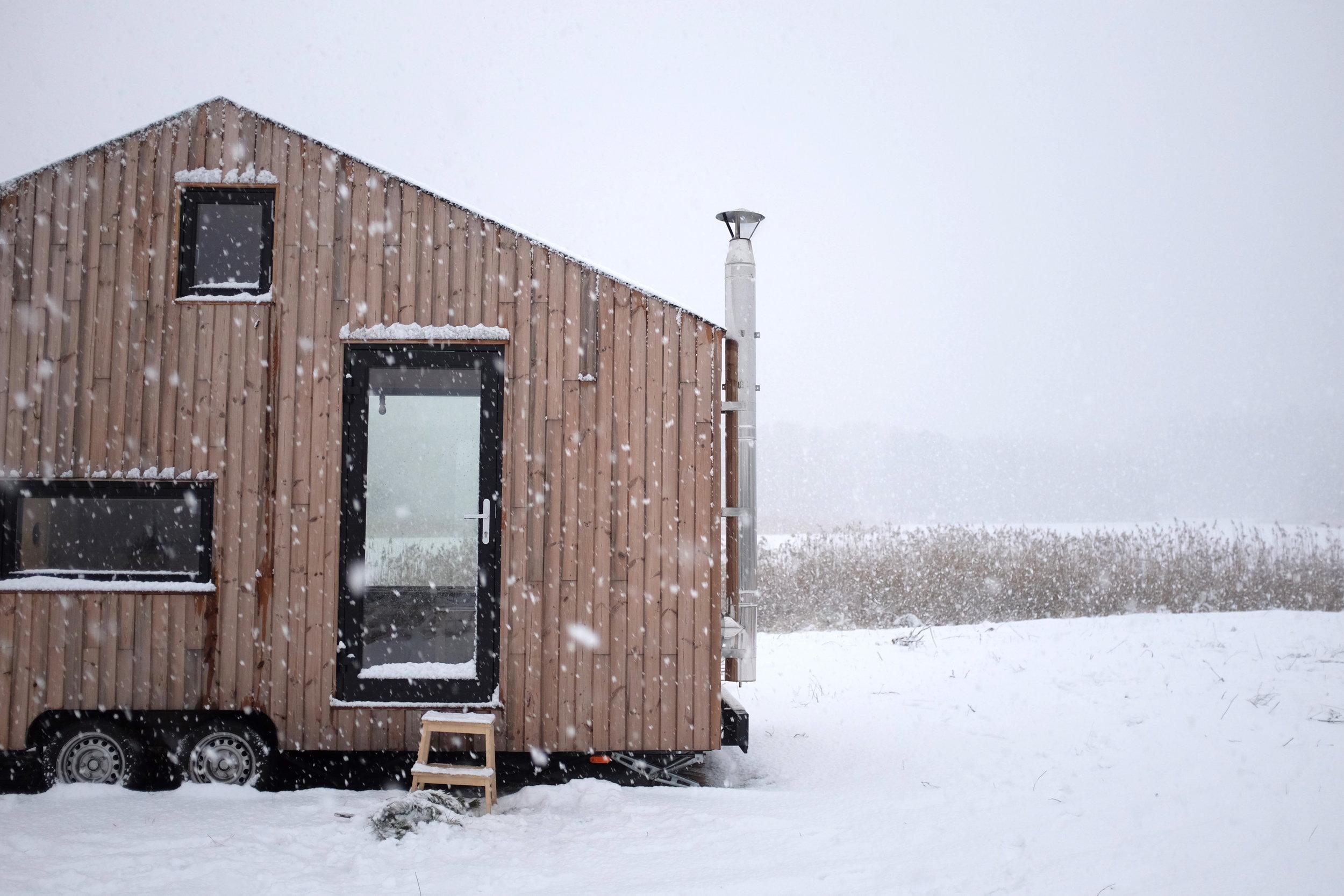 REDUKT-01B_out_snow2.JPG