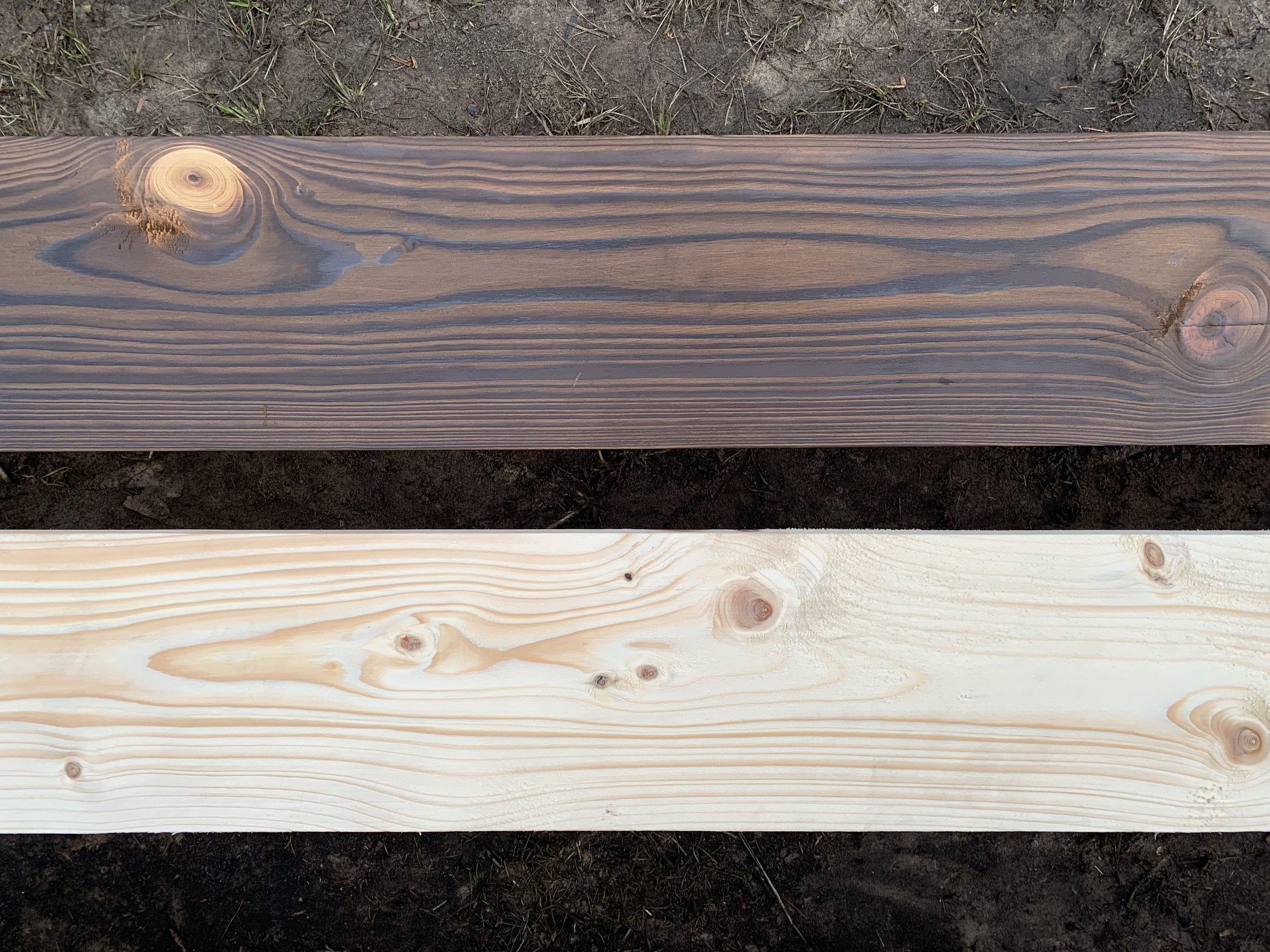 Drewno opalane (powyżej), deski świerkowe.