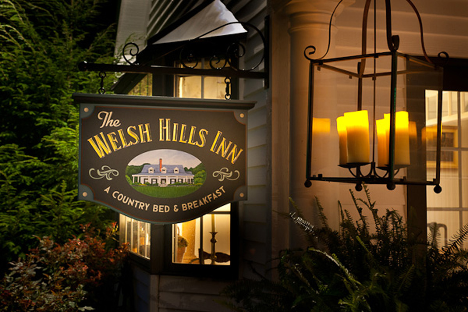 The Welsh Hills Inn - Inn Sign and Bay Window at Night - 010115.jpg
