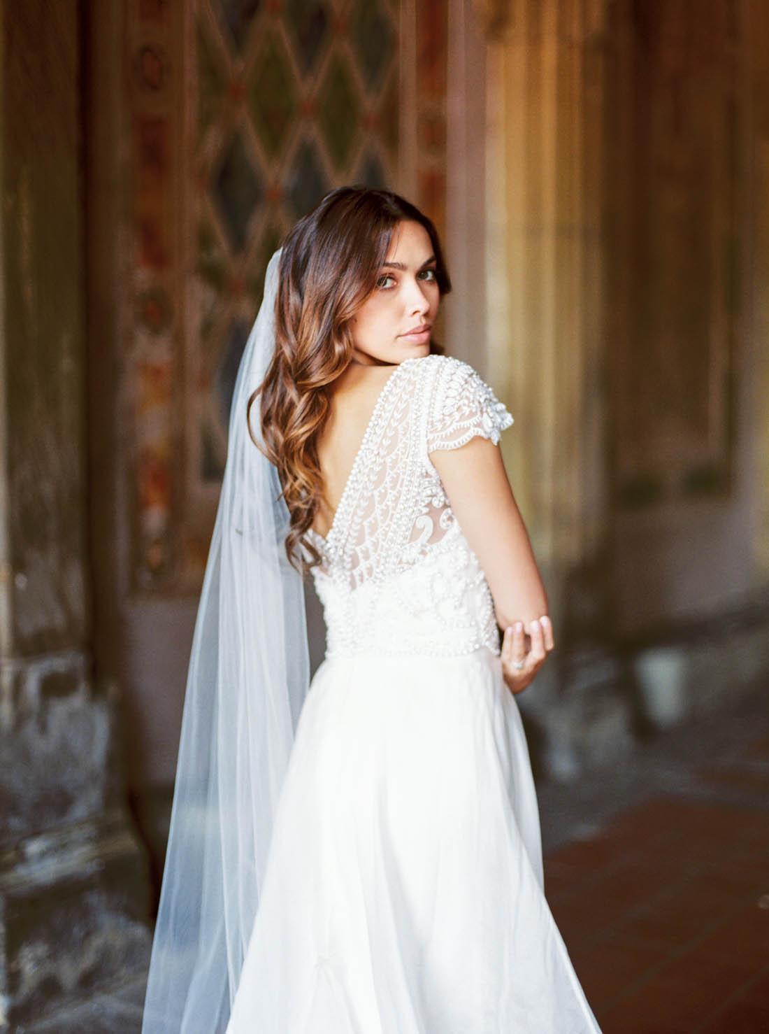 Anna Campbell Bridal chapel length Ashantha Veil without Blusher
