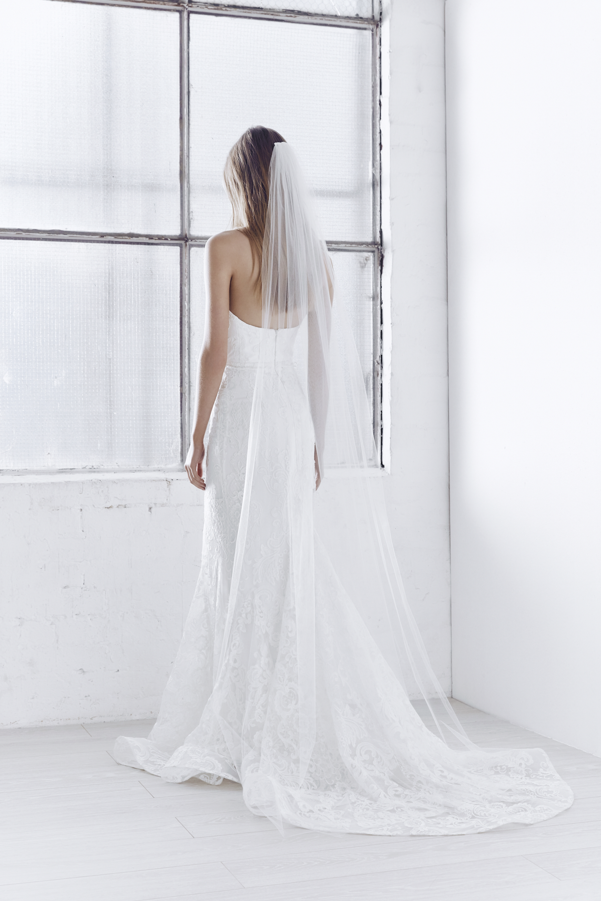 The Sophia Dress styled with the Ashantha plain tulle veil (Chapel Length without Blusher)