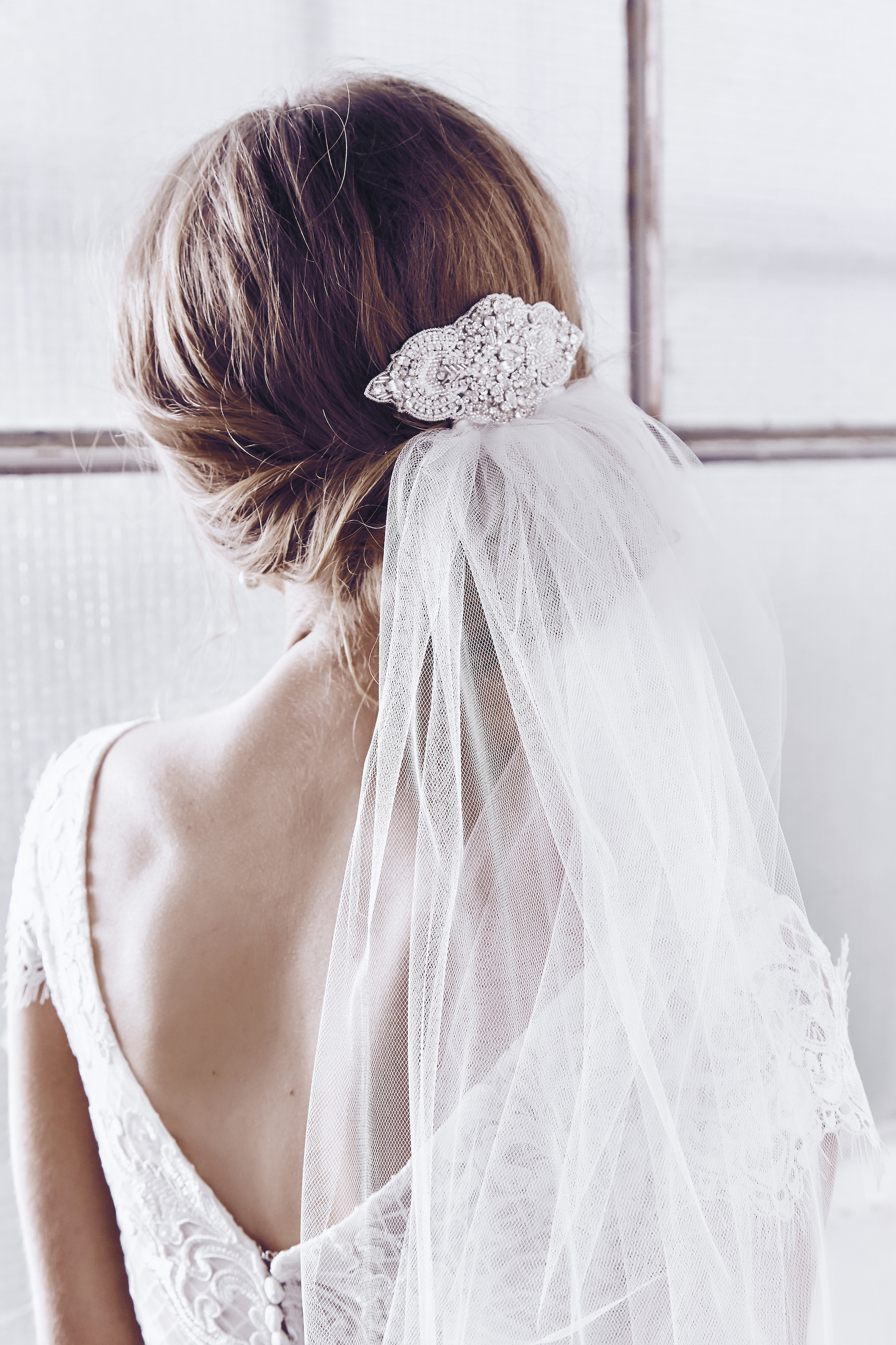 Anna Campbell Bridal Victoria Comb and Ashantha Tulle Veil
