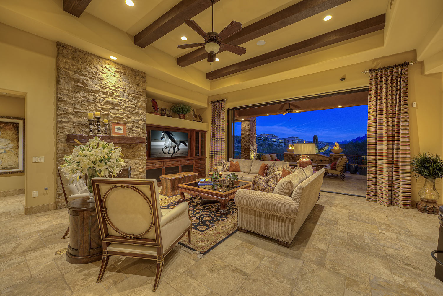 005_Great-Room-and-Patio.jpg