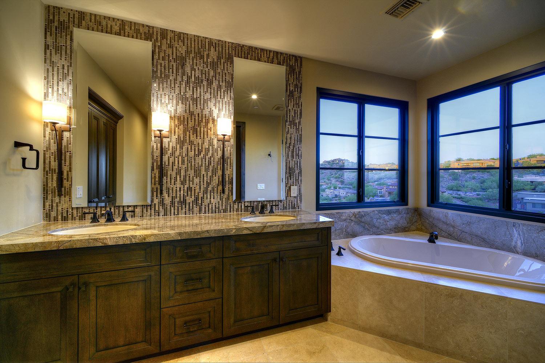 007_Guest-Bathroom.jpg