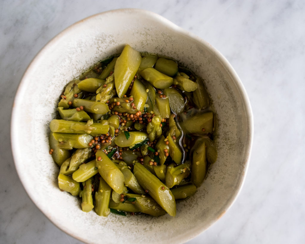 jar-sessions-pickled-asparagus-topping.jpg