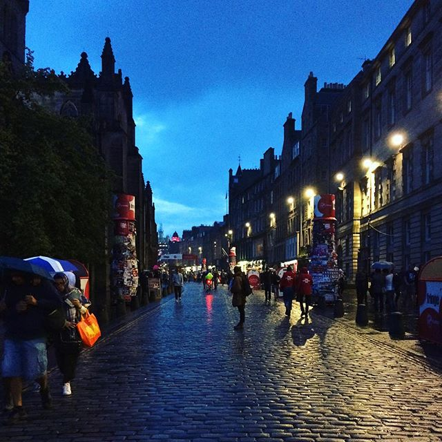 We're missing the beautiful cobbles & evening silhouette of the Royal Mile this #ThrowbackThursday! What do you miss most from @edfringe? x . . #tbt #NowWhatTheatre #KaraSevda #KaraSevdaTour #EdinburghFringe #SummerFringeTour #RoyalMile #Edinburgh #Scotland