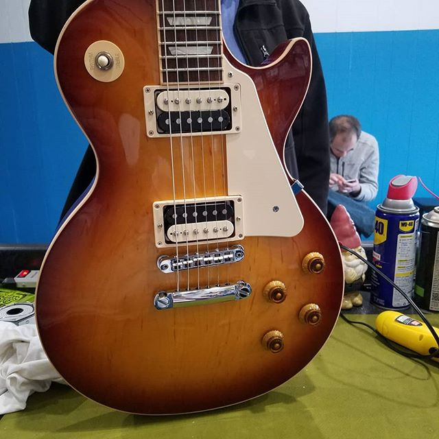 Another electrically transformed #lespaul, complete with #lindyfralin #paf pickups and our favorite 50's #wiring and #womantone mod.