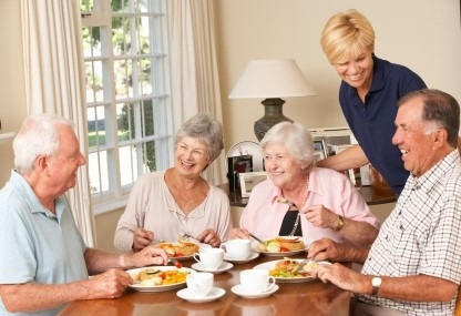 senior%2Bretired%2Bhappy%2Bcouples%2Bgetting%2B%2Bhousing%2Bservices
