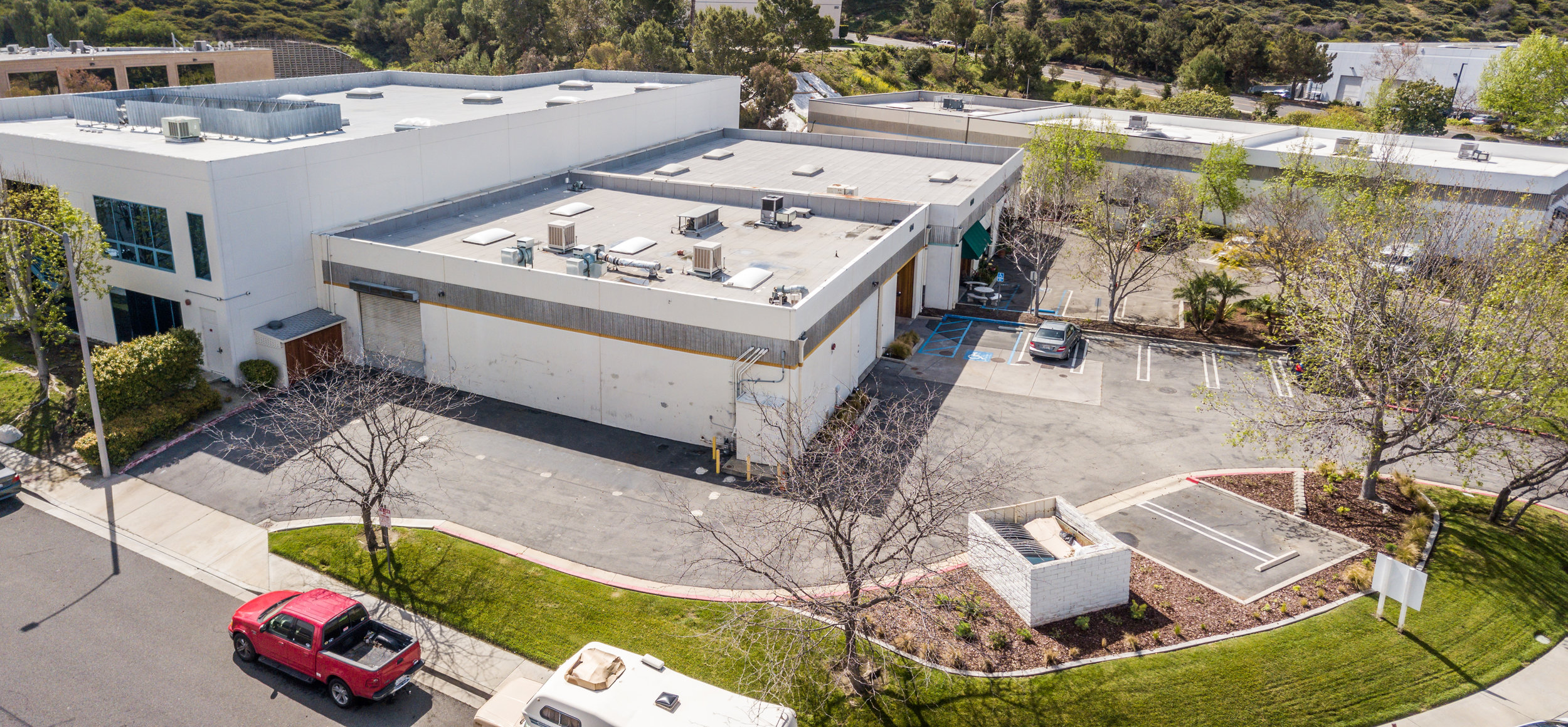 Commercial Food-Prep Building Ready To Lease